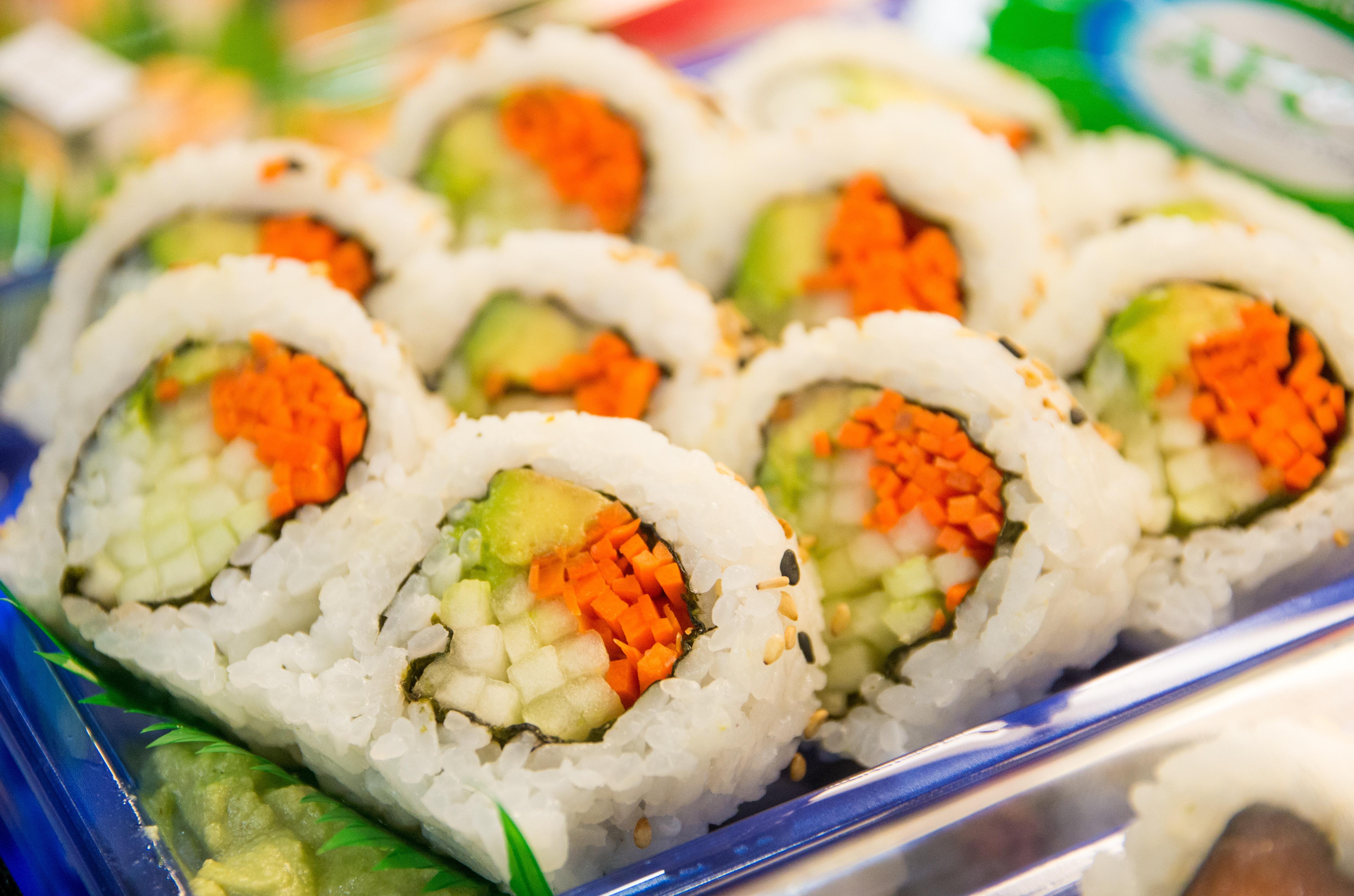Images gratuites blanc restaurant orange plat repas for Poisson japonais nourriture