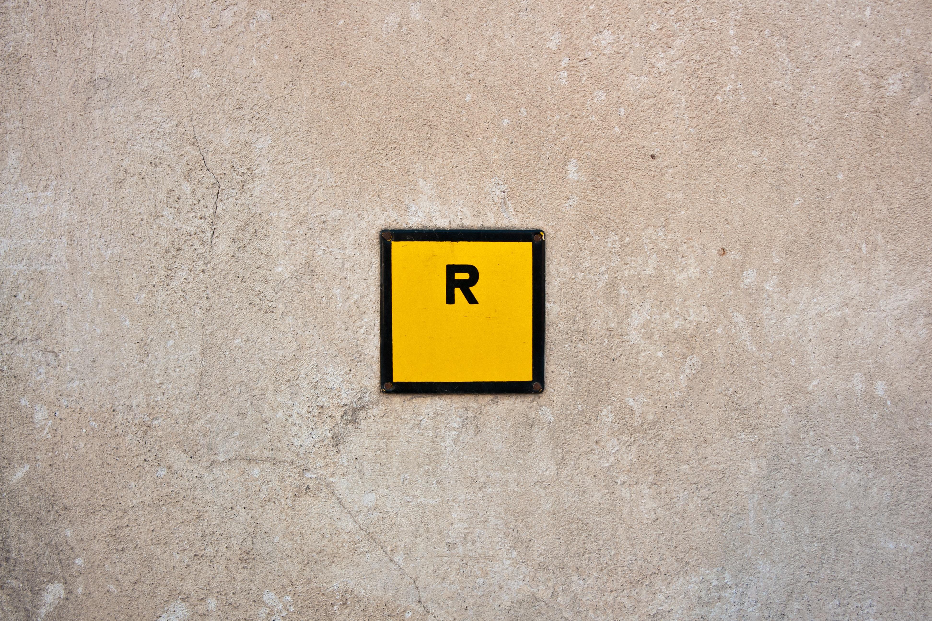 Fotos gratis : blanco, textura, piso, número, pared, firmar, símbolo ...