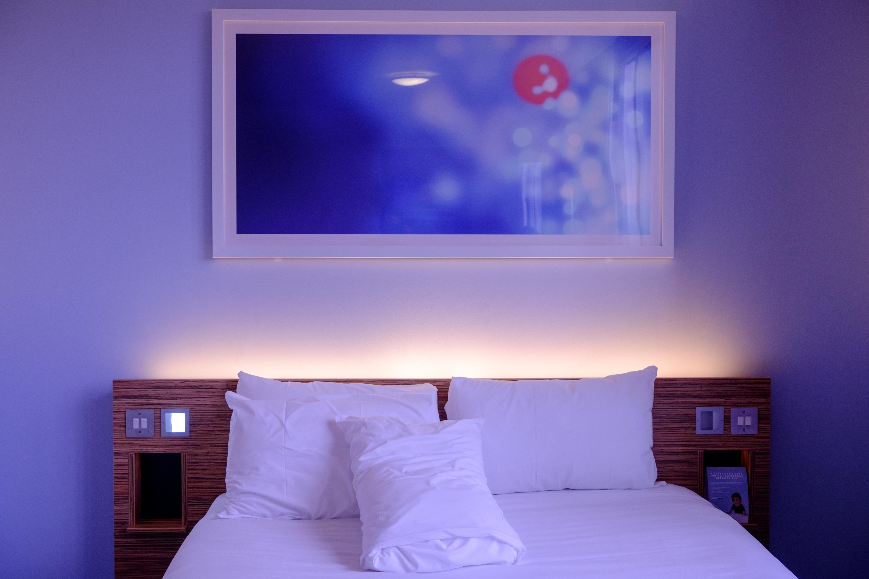 Gratis Afbeeldingen : wit, reizen, plafond, eigendom, blauw ...