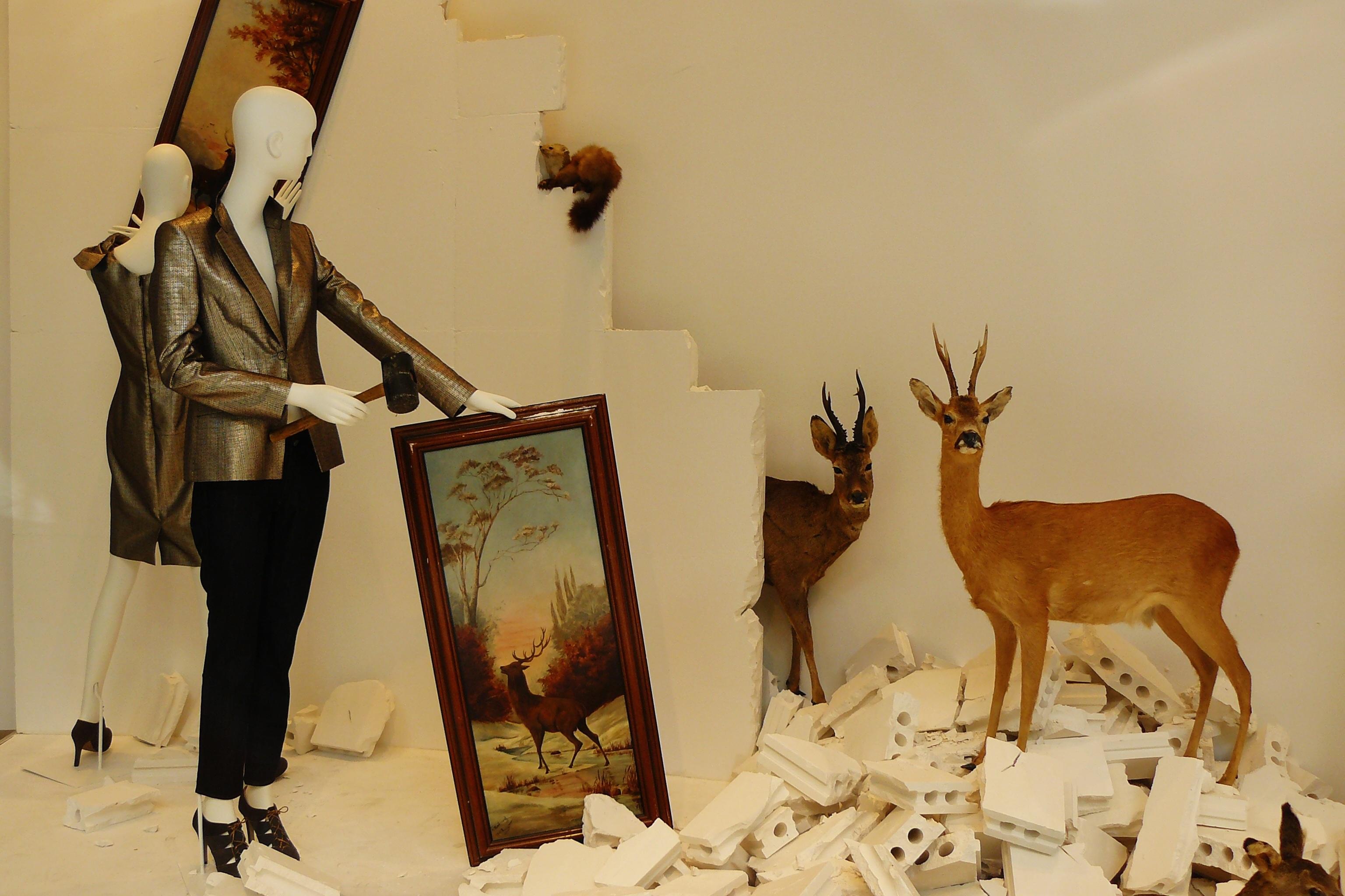 Gratis afbeeldingen : venster dier hert decoratie consumptie