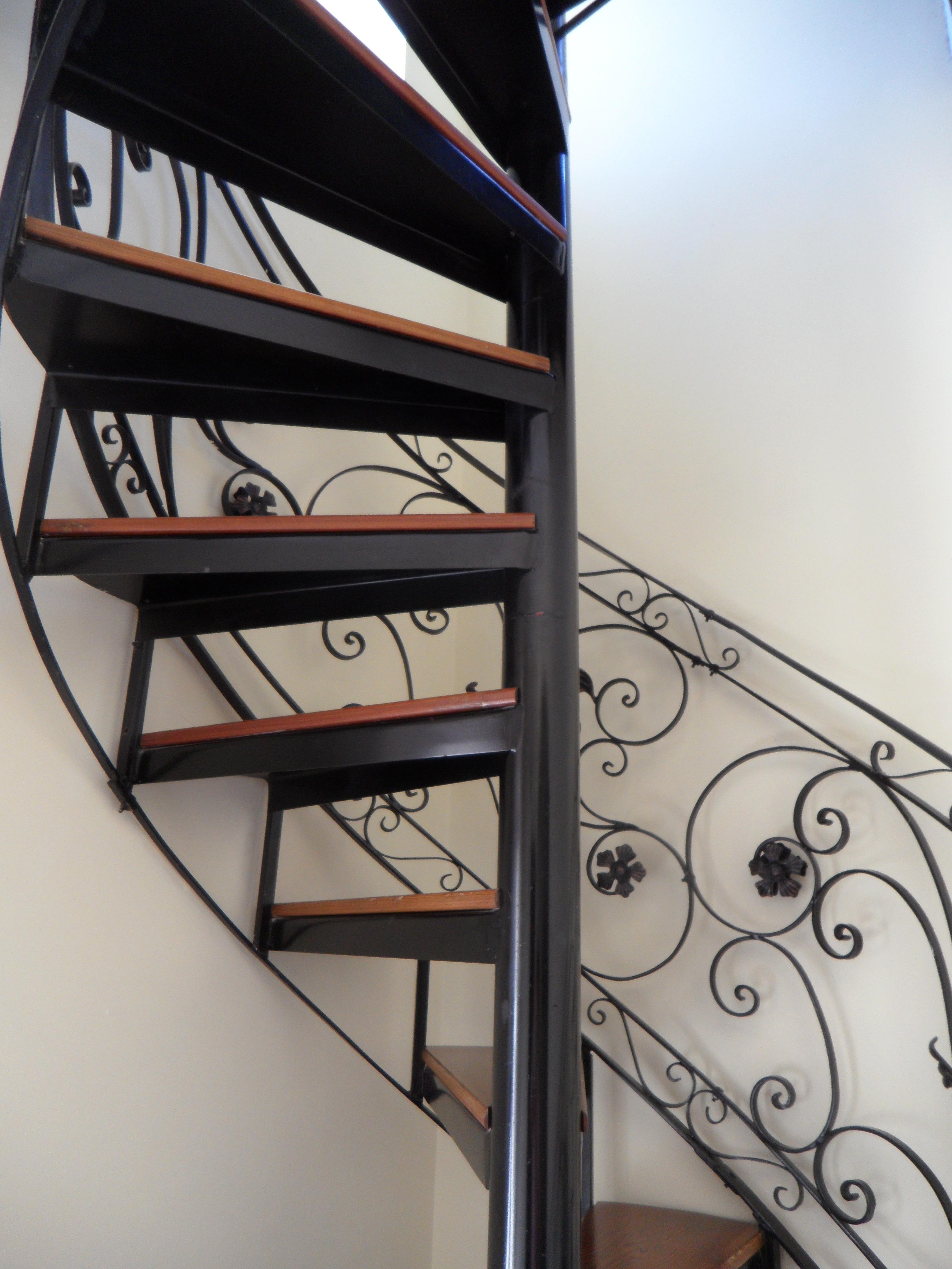 kostenlose foto fenster glas gel nder metall m bel. Black Bedroom Furniture Sets. Home Design Ideas