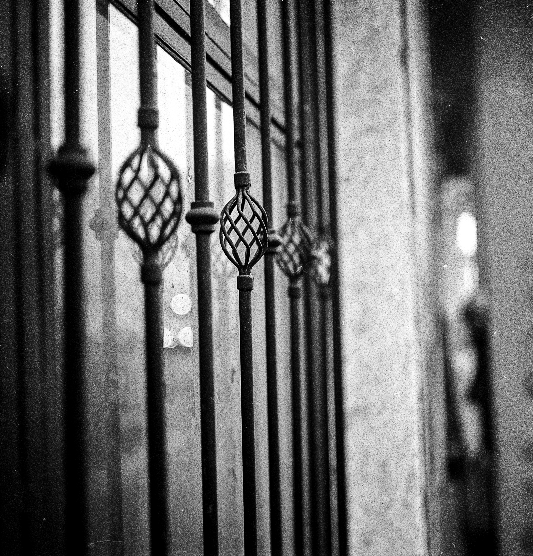 Kostenlose foto : Fenstergrill, Eisen, Fenster, dekorativ ...