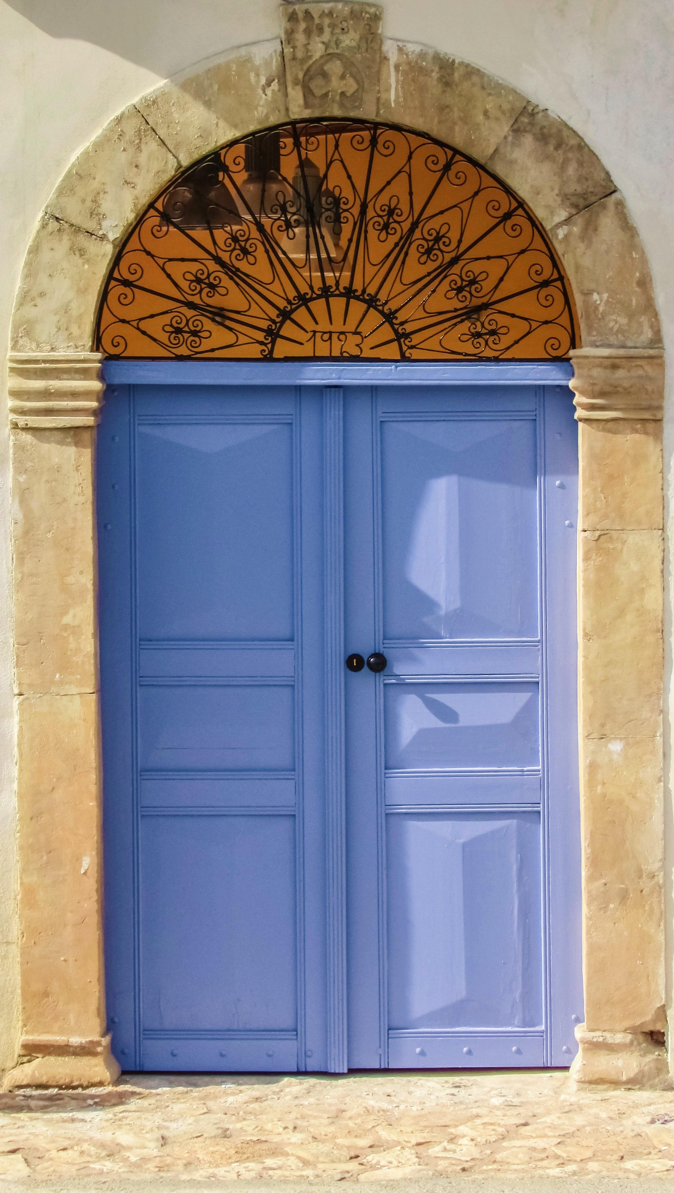 Дверь открытка фото