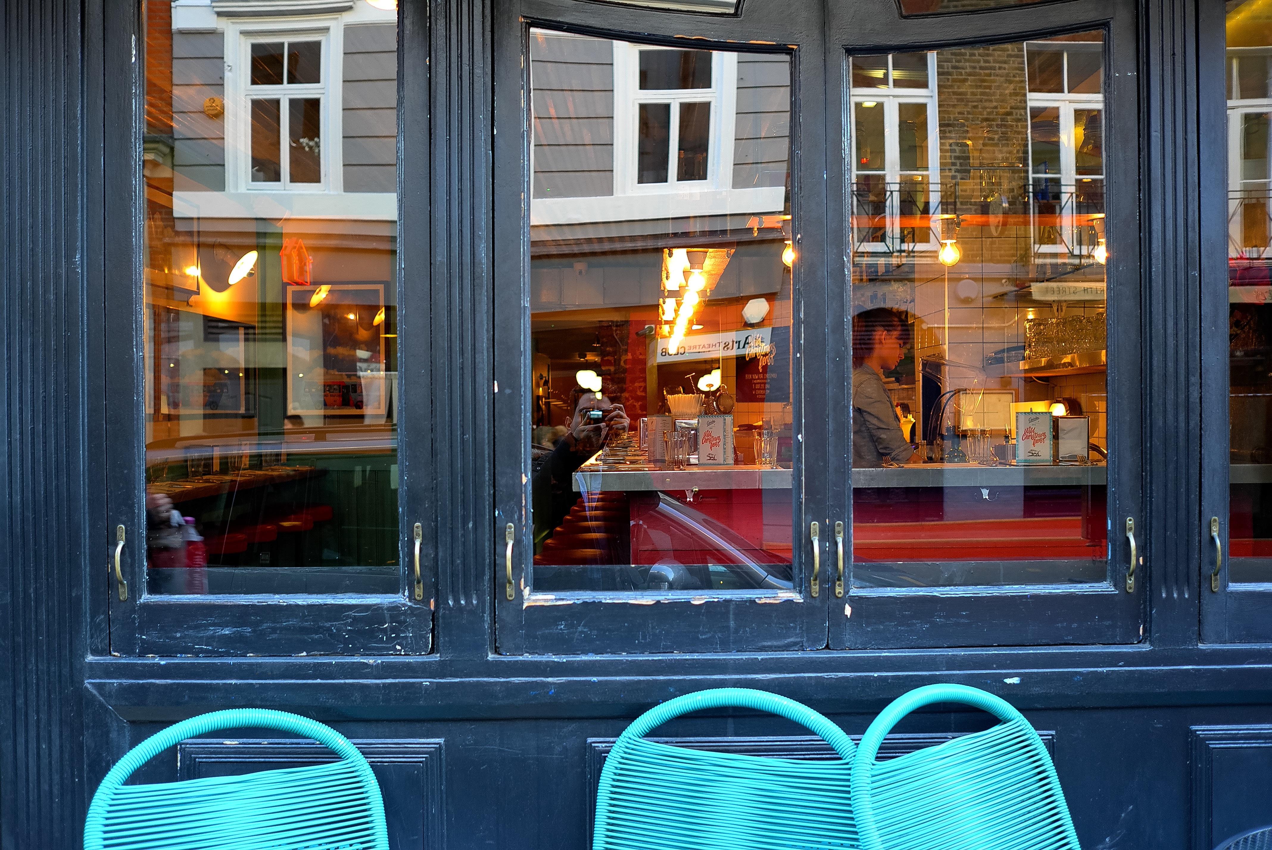 Fotos gratis restaurante casa bar fachada dise o de for Diseno de interiores de casas gratis