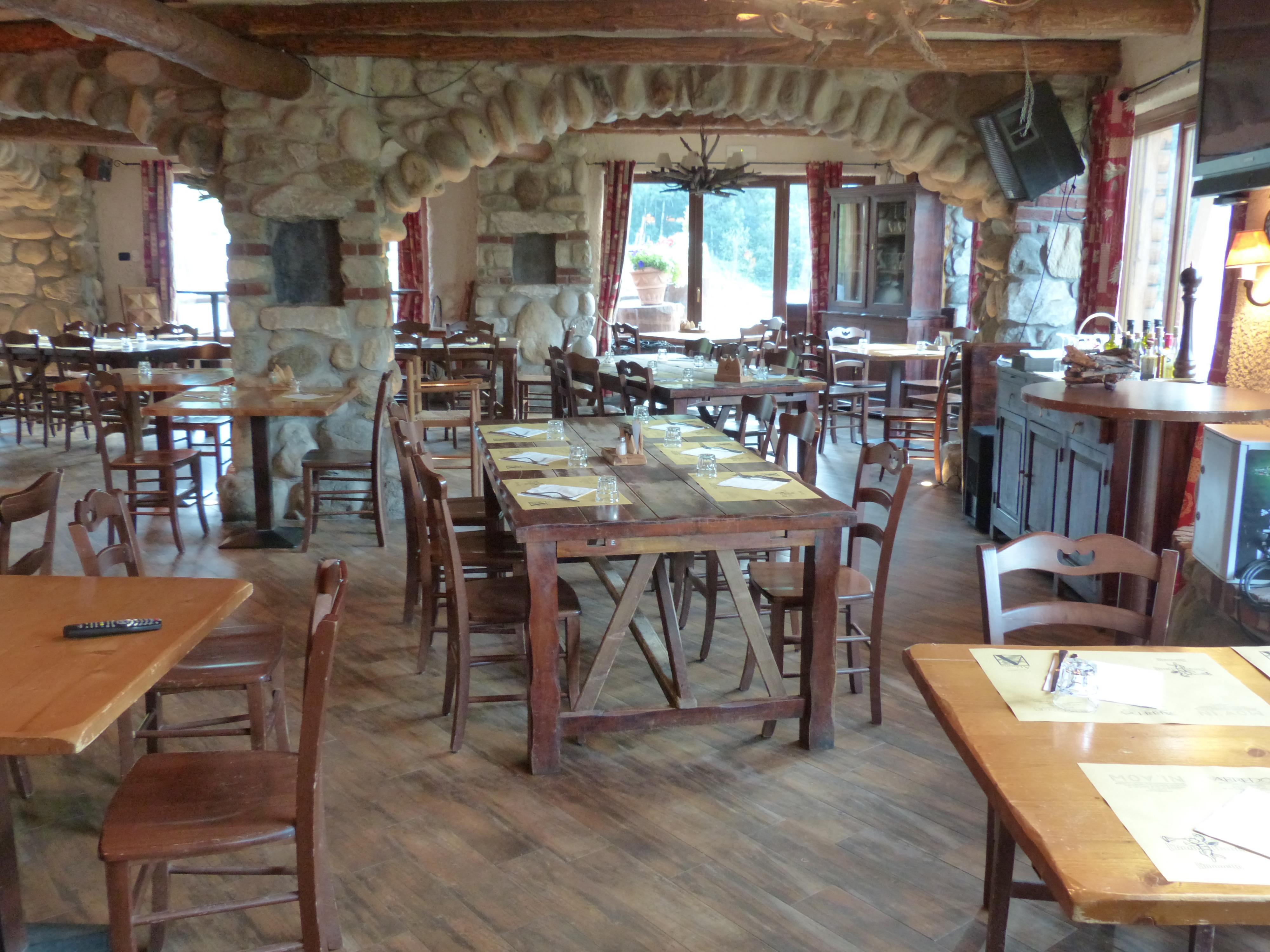 Fenster Restaurant Rustikal Mahlzeit Platz Gemütlich Eigentum Zimmer  Malerisch Immobilien Abdeckung Gasthaus Taverne Esszimmer Gedeckter Tisch