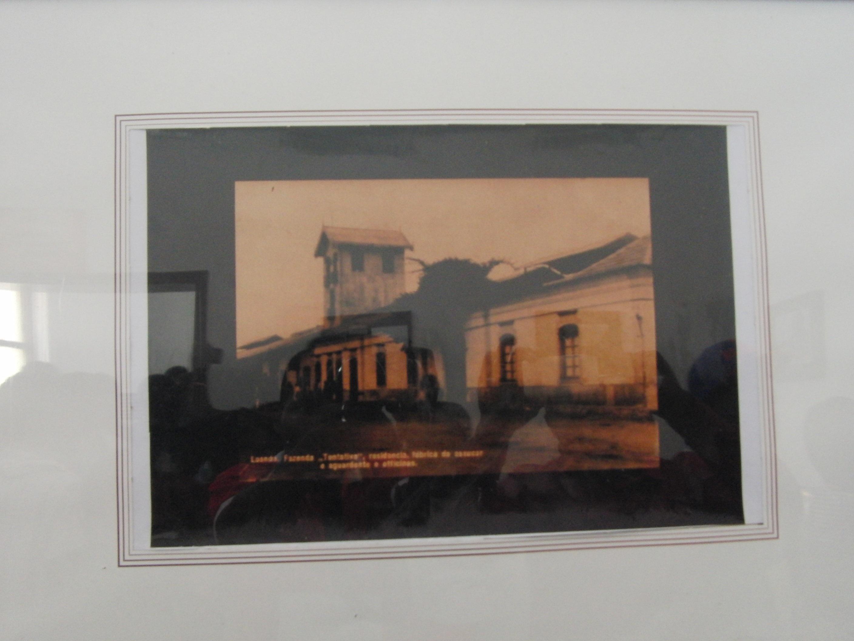Fotos gratis : ventana, pared, pintura, art, marco, atracción ...