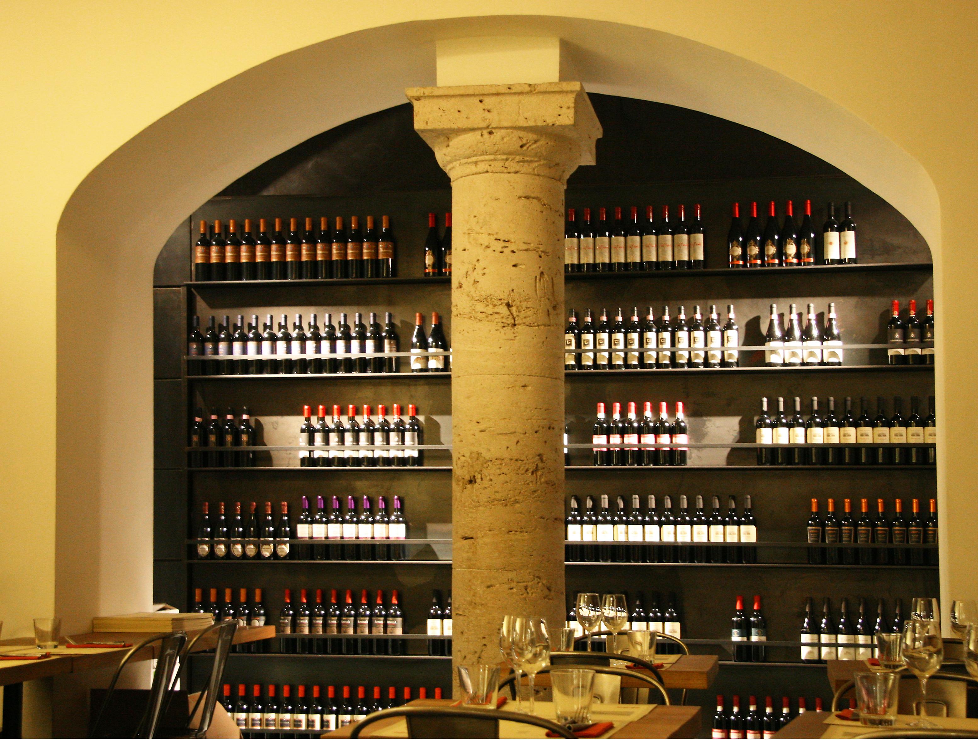 Interieur D Un Bar images gratuites : du vin, bar, colonne, italie, boisson