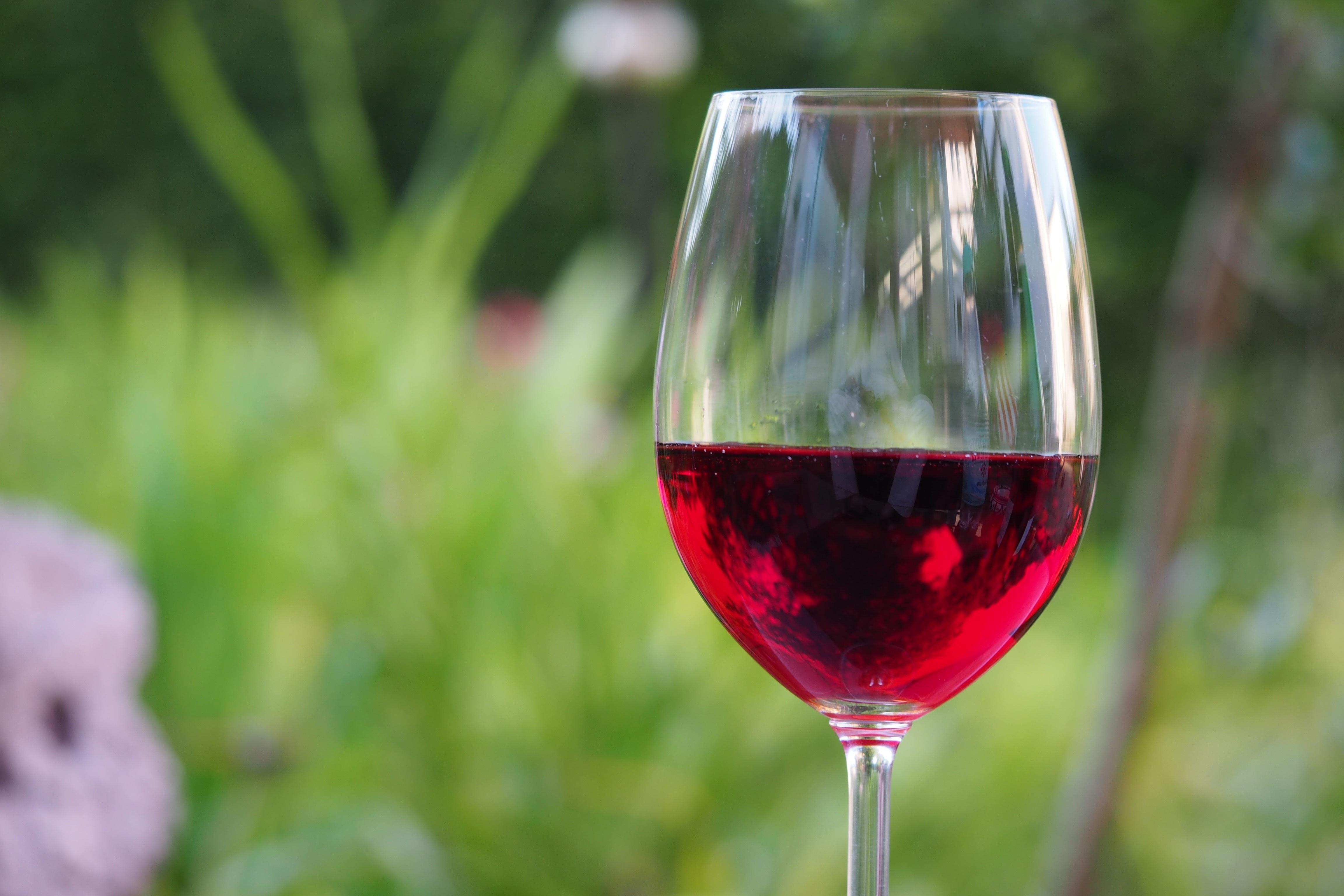 Диета вечер  бокал сухого вина