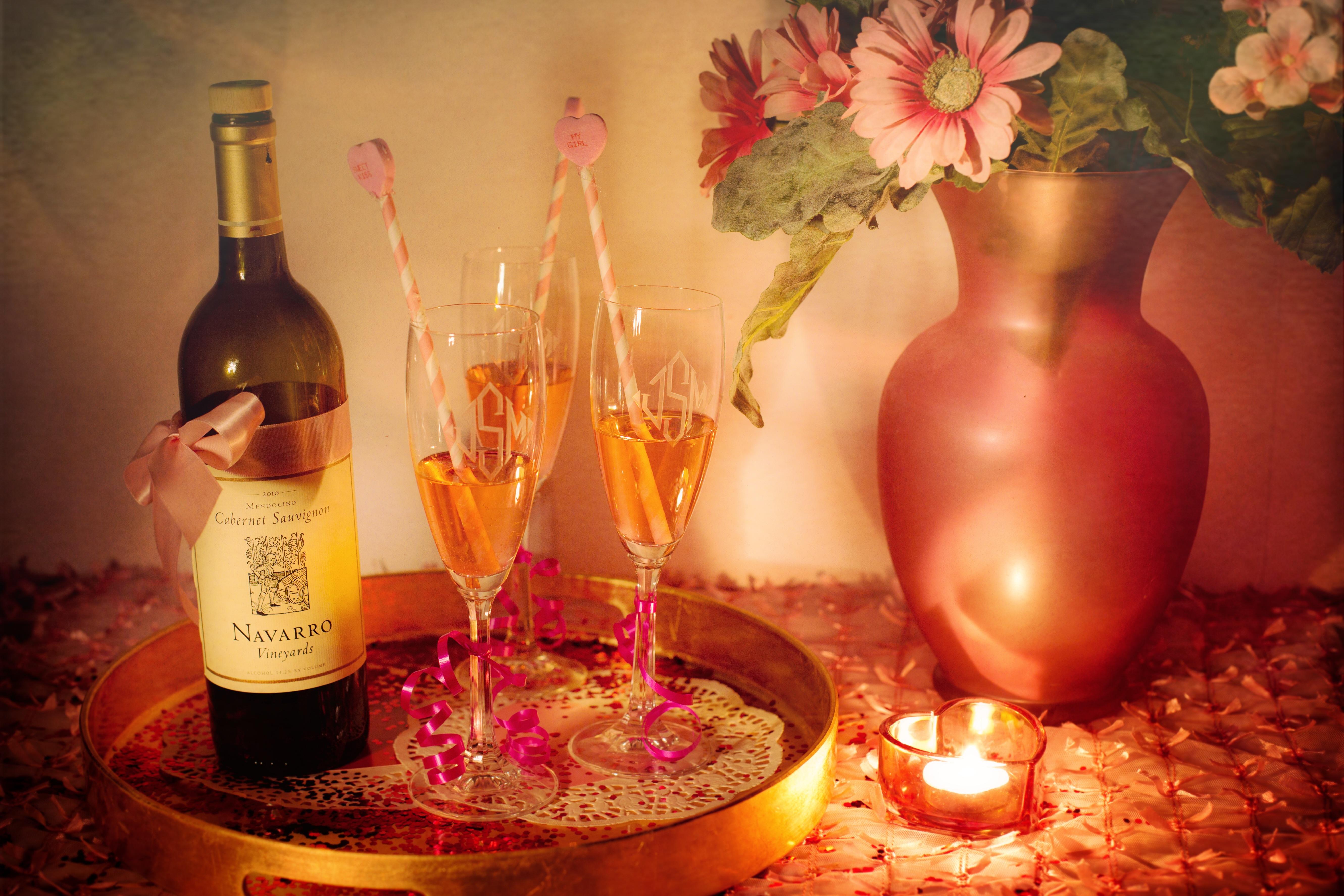 Hình Ảnh : Rượu Nho, Cánh Hoa, Lãng Mạn, Rượu Vang Đỏ, Vẫn Còn Sống, Bộ Đồ  Ăn, Chai Thủy Tinh, Ly Rượu, Buổi Tiệc, Đồ Uống, Rượu Sâm Banh, Rượu Mùi,  ...