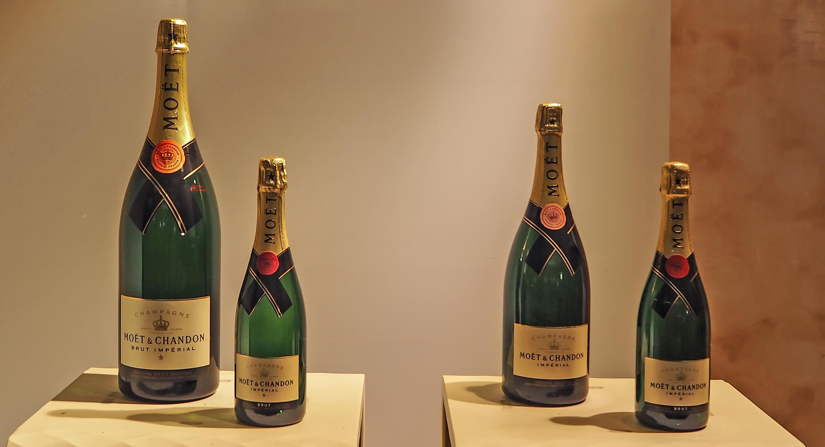 Fotoğraf Fransa Içki şişe şarap şişesi Lüks şişeler şampanya