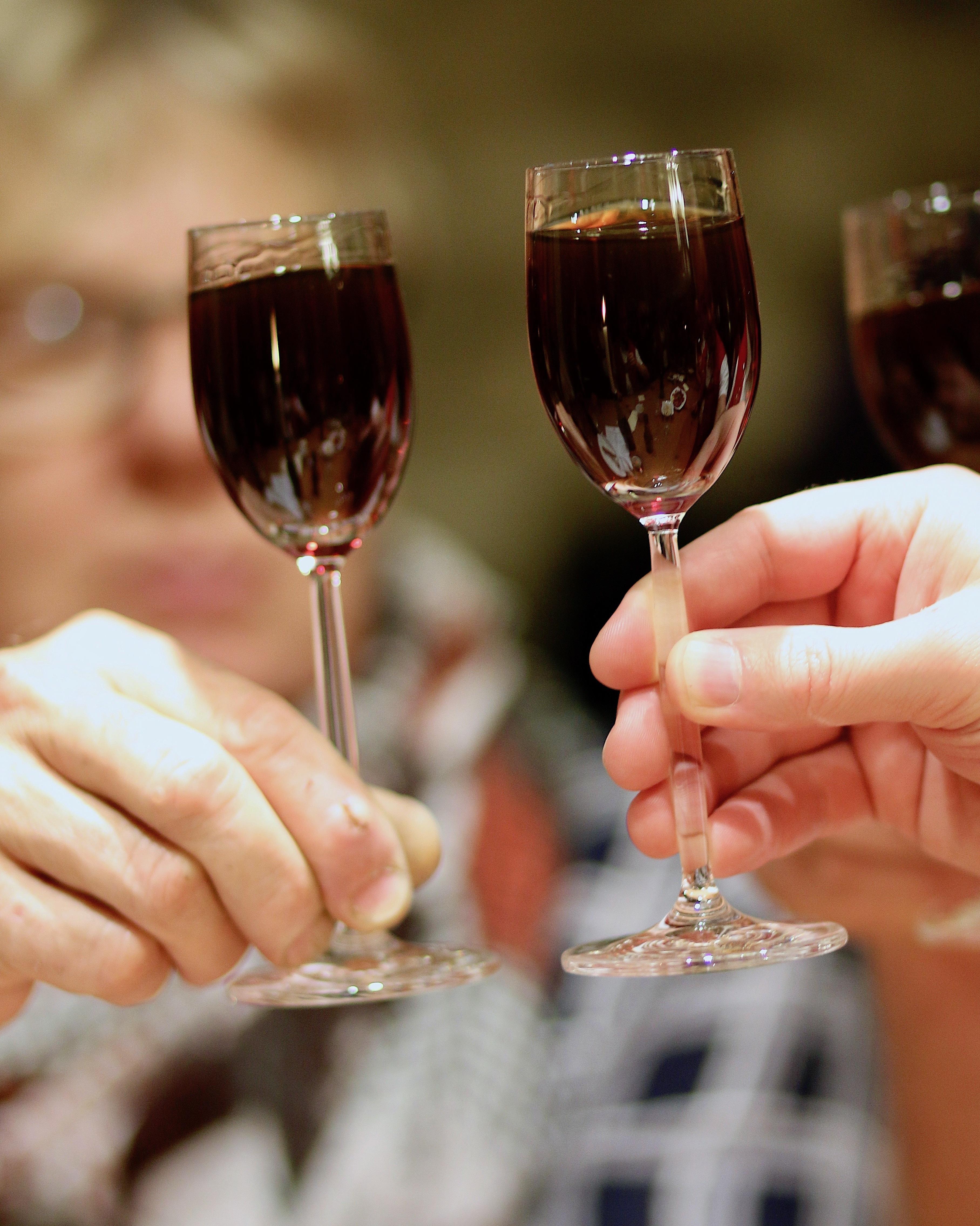 имени нури картинки по бокальчику вина экспансия