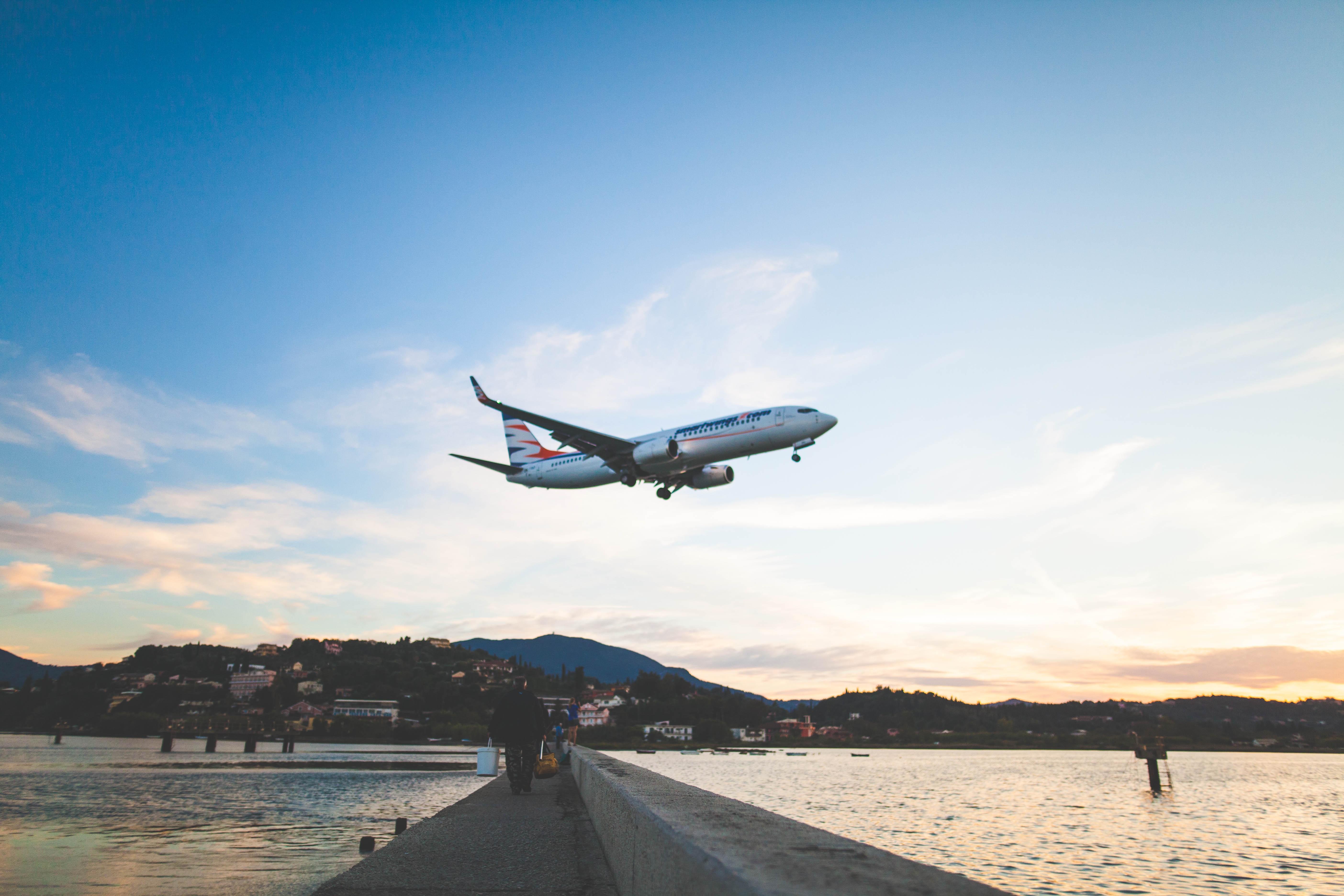 bildet vinge fly kjøretøy flyselskap luftfart flygning