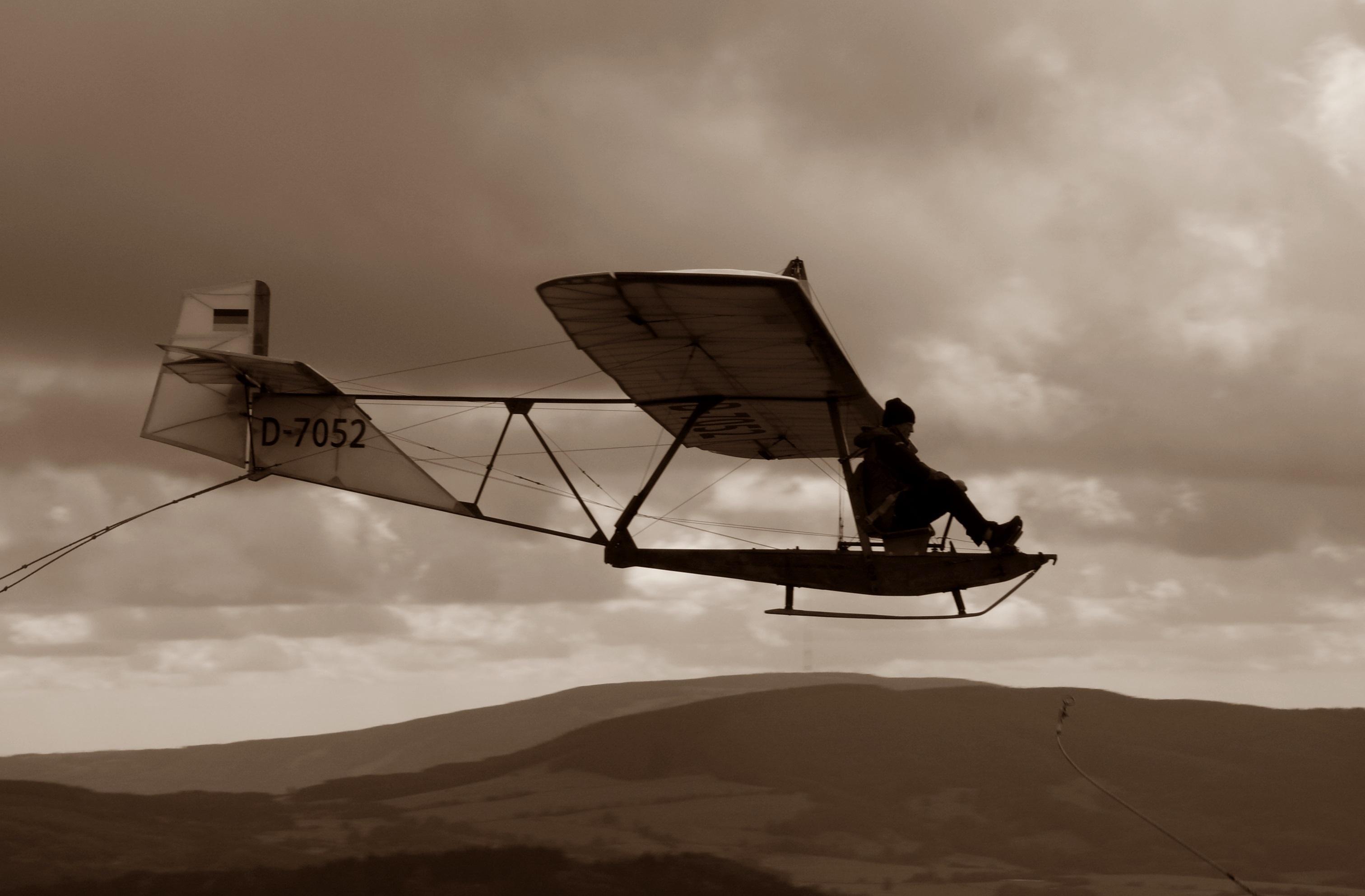 images gratuites aile noir et blanc aventure mouche avion v hicule aviation vol. Black Bedroom Furniture Sets. Home Design Ideas
