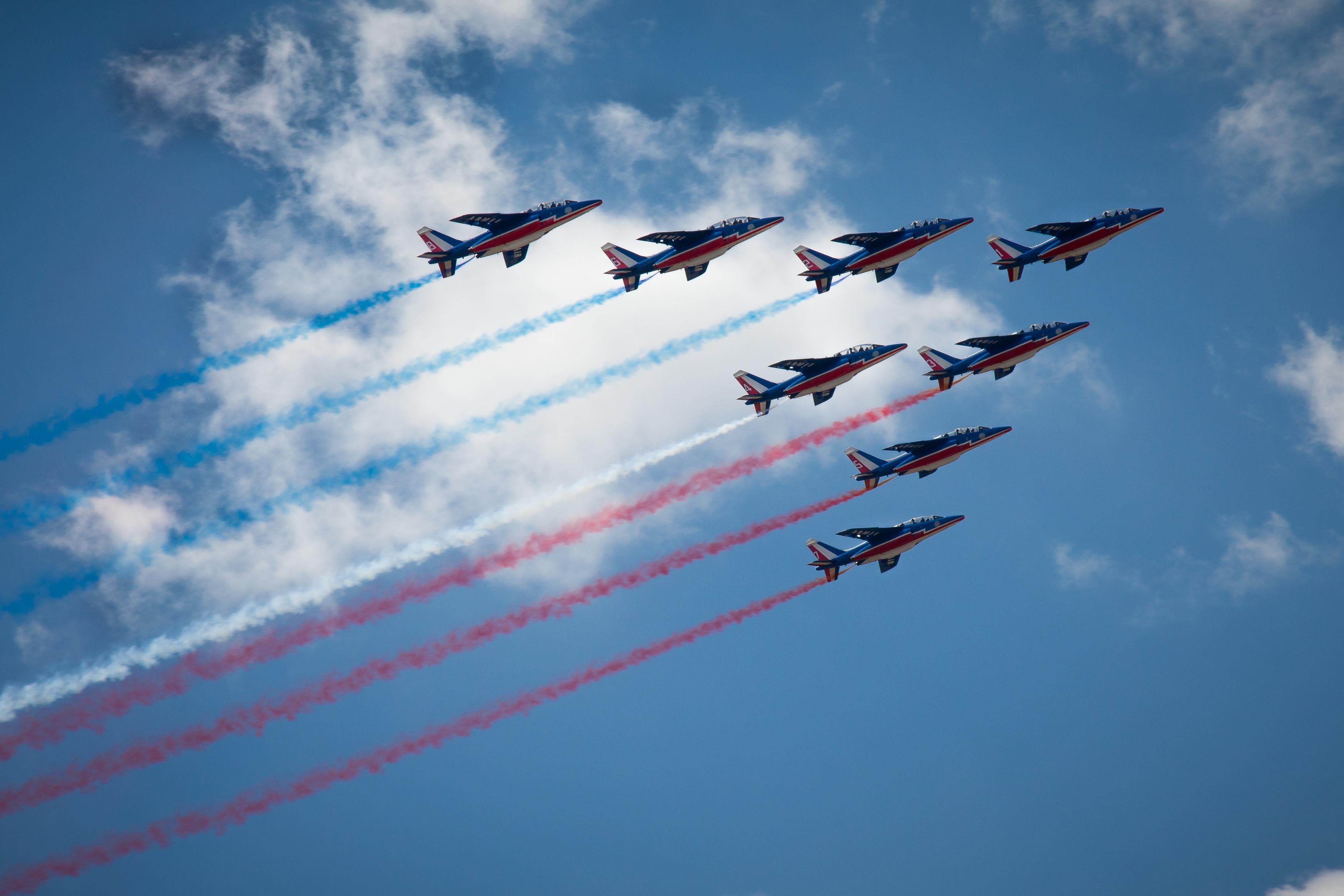 был горным фото истребителей россии в небе обновите свой браузер