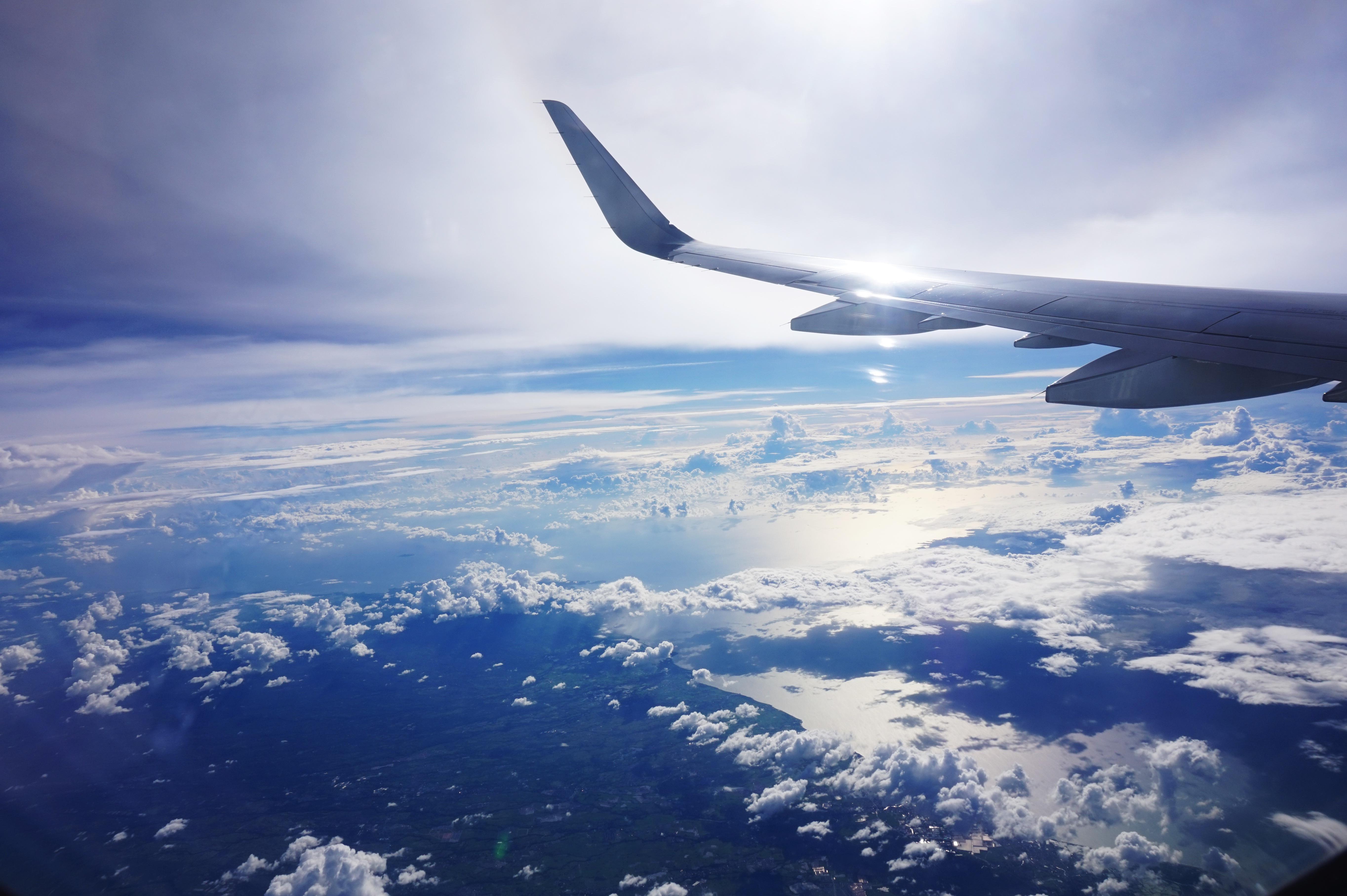 недостатке картинки самолет в небе зимой можно