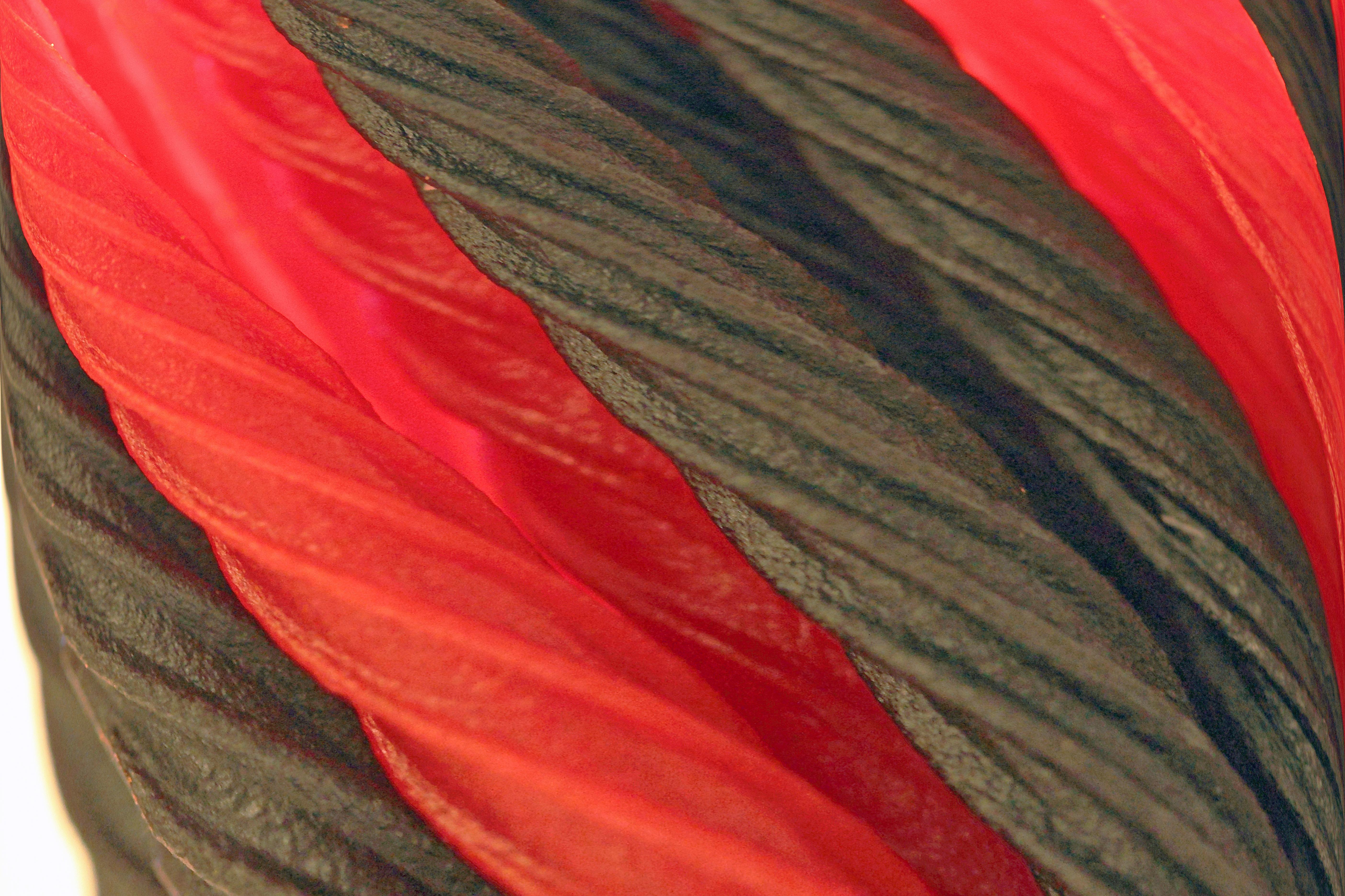 2c54aca8 Gratis billeder : vinge, blad, blomst, kronblad, rød, farve, flag, canon,  tøj, junk, sort, materiale, tæt på, tekstil, vinstokke, eos, lugt, angreb,  slik, ...