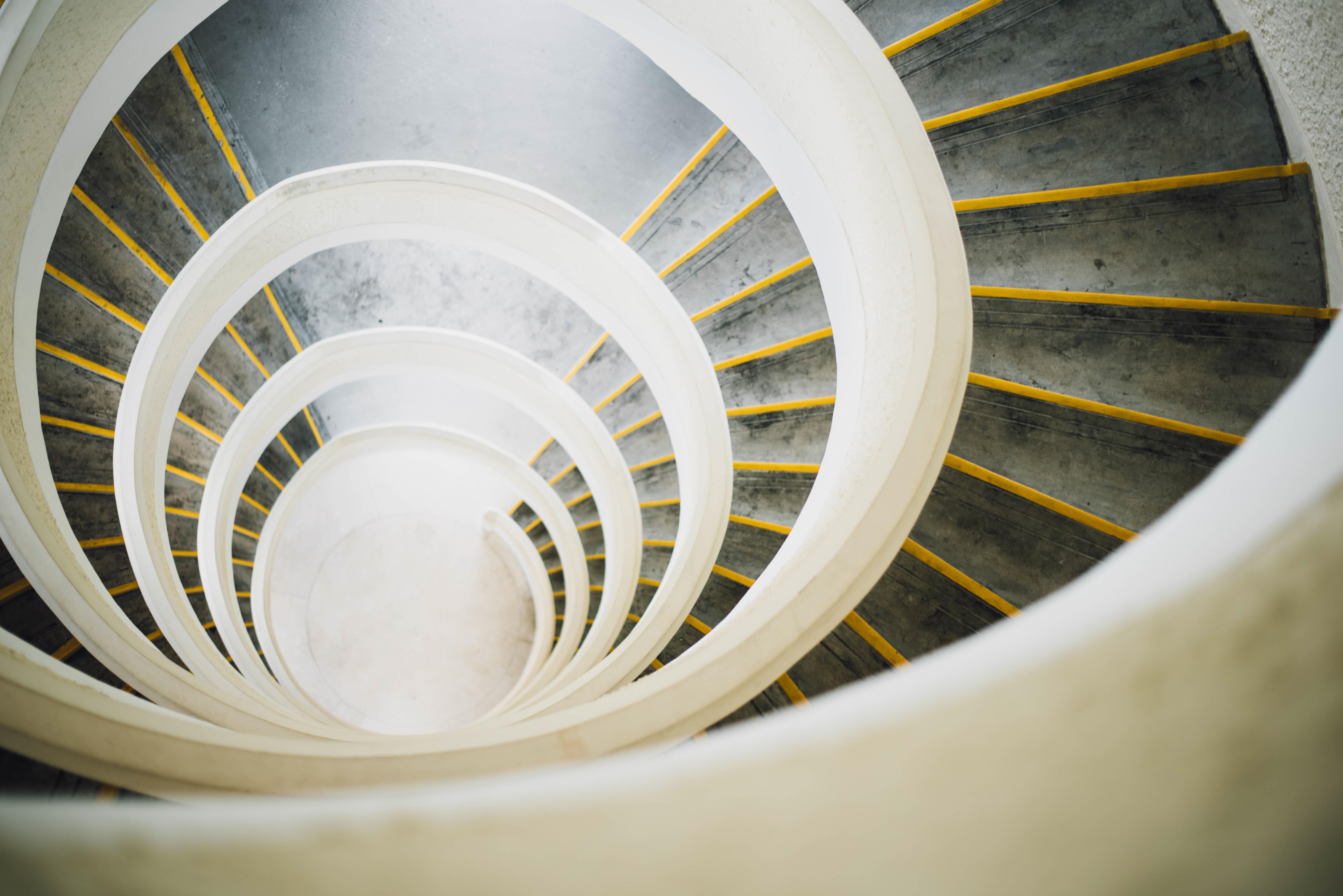 ala ligero estructura blanco fotografa escalera rueda espiral techo curva color escalera amarillo circulo bobina de