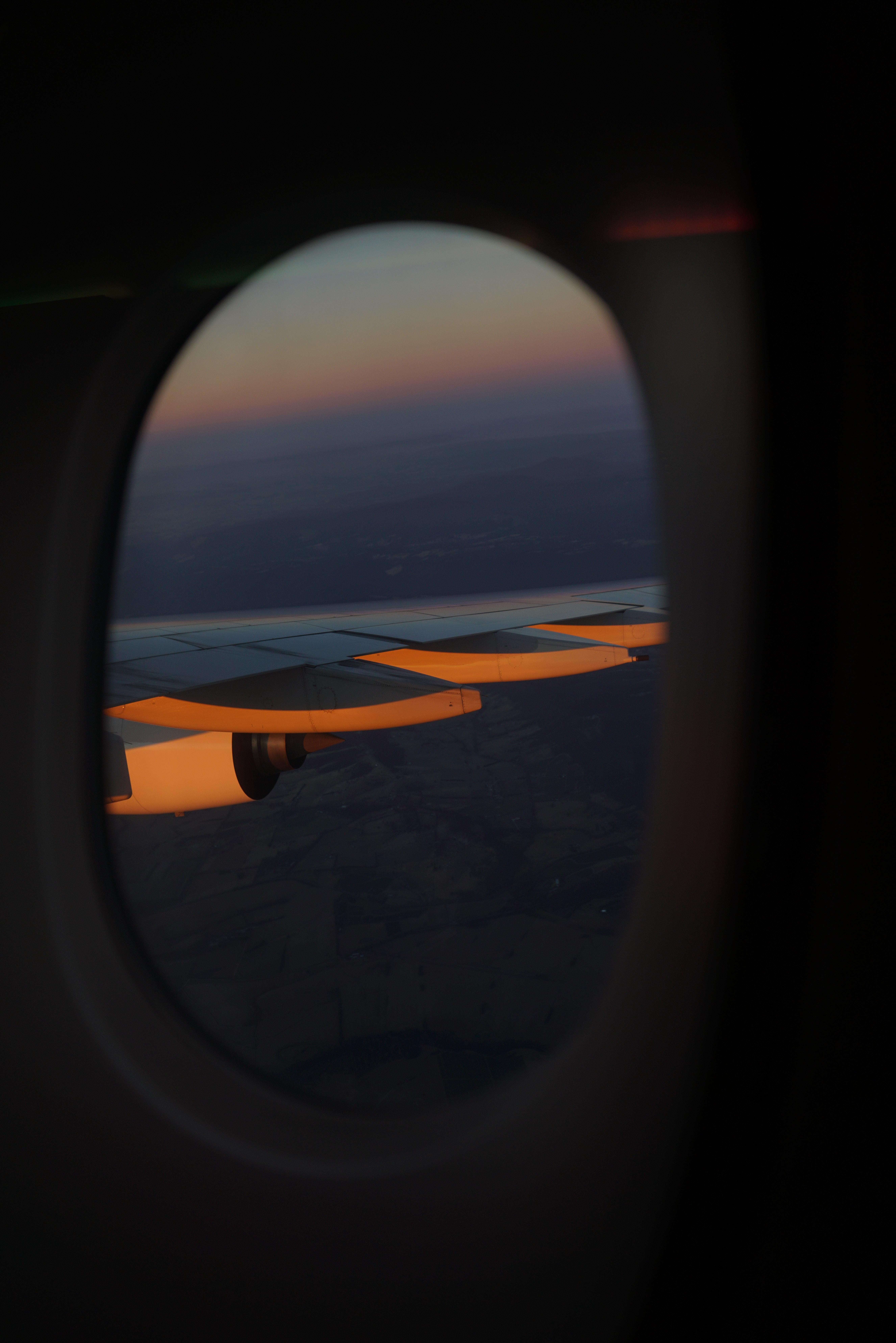 Kostenlose foto : Flügel, Licht, Sonne, Sonnenuntergang, Sonnenlicht ...