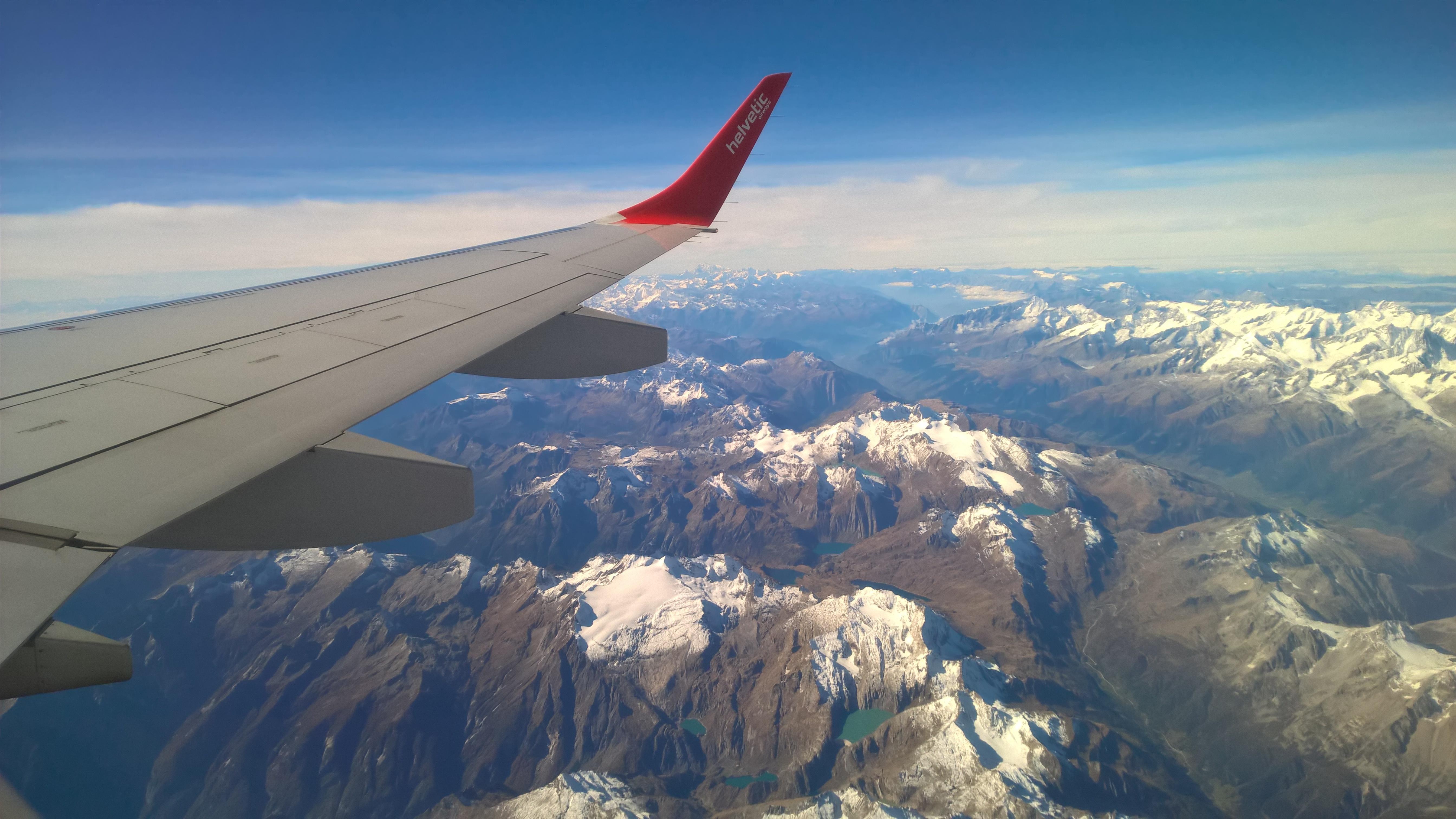 Картинки горы самолет