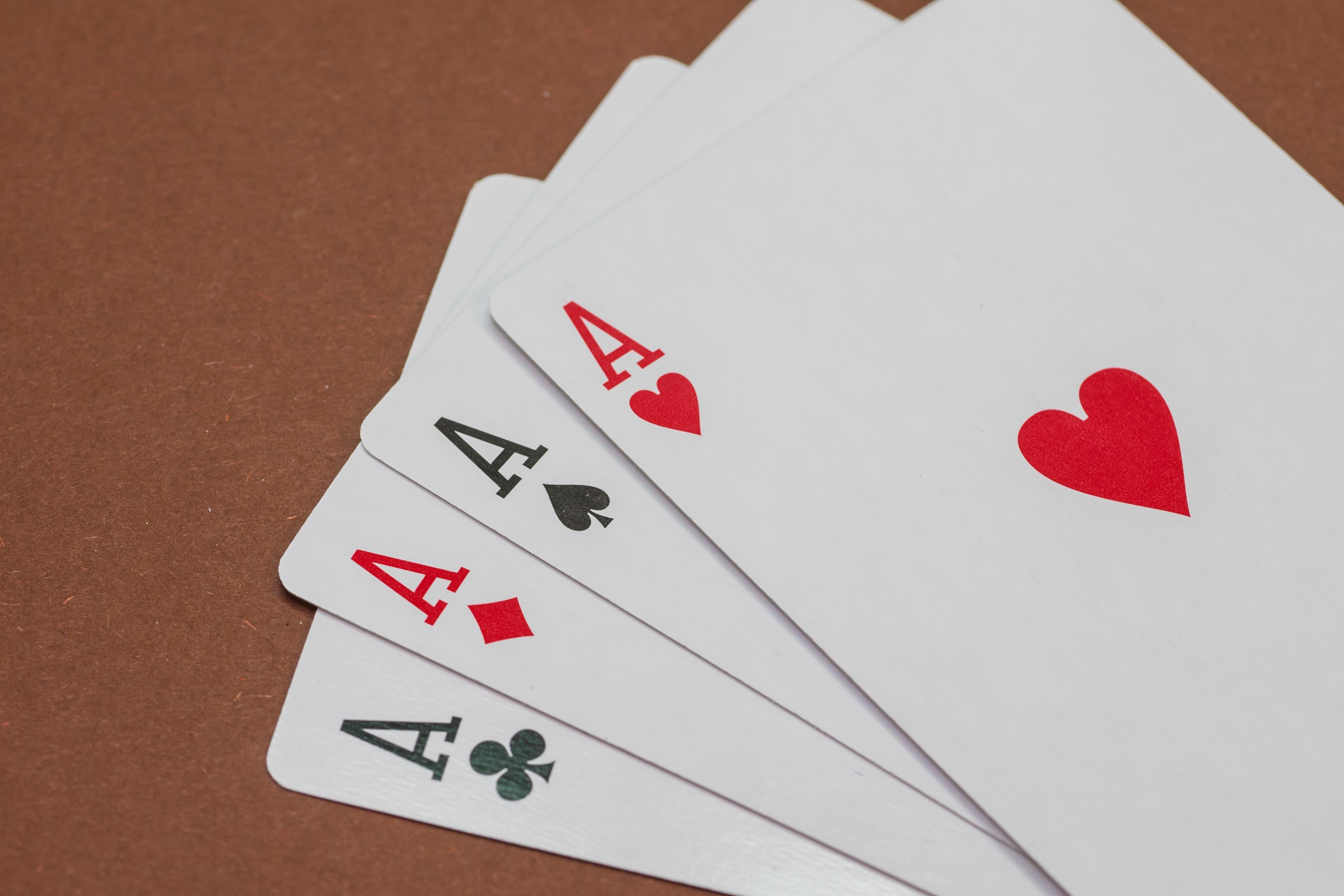 Игры азартные карты играть бесплатно покер онлайн казино длинные нарды