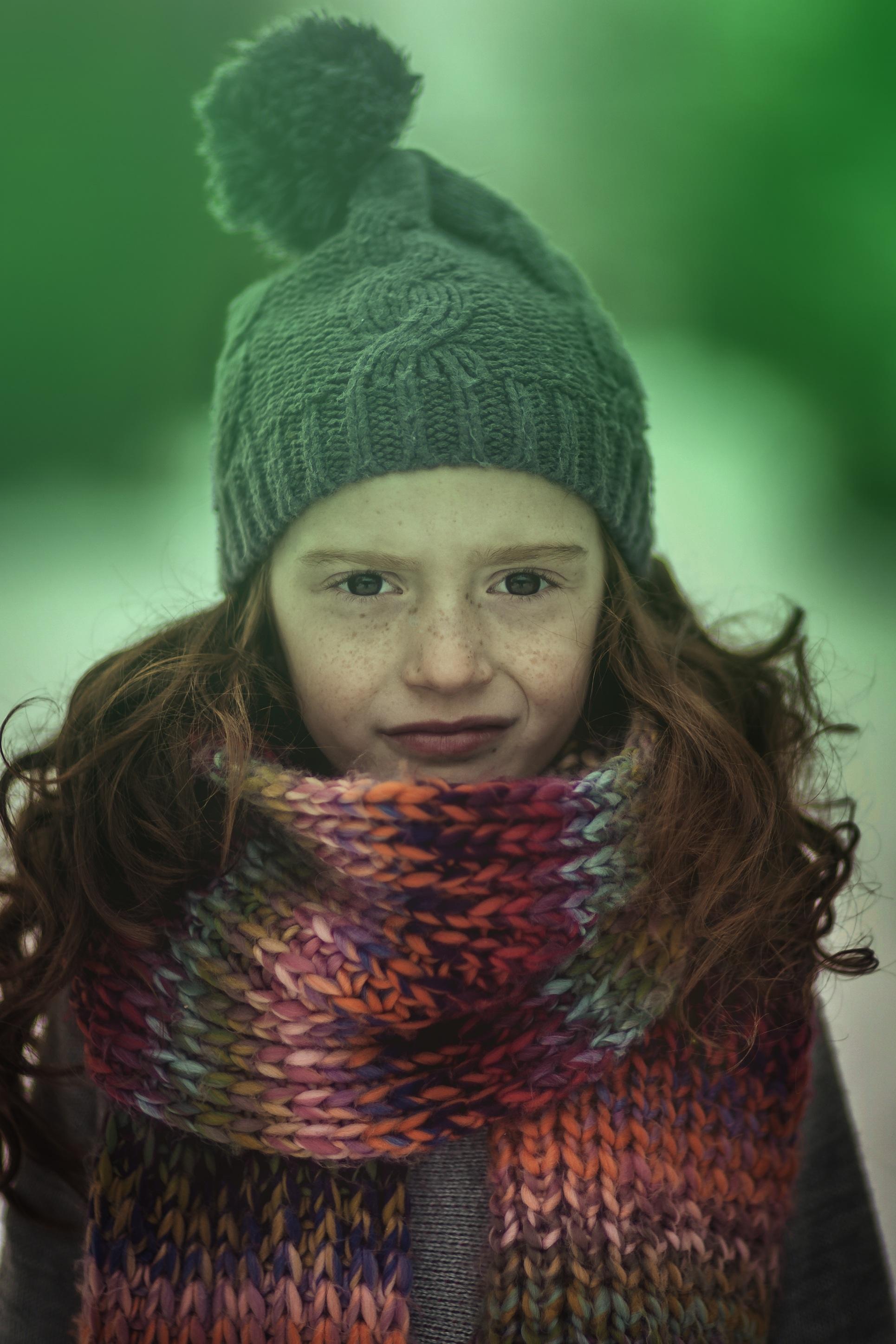 Kostenlose foto : Winter, Haar, Porträt, Modell-, Grün, braun, Kind ...