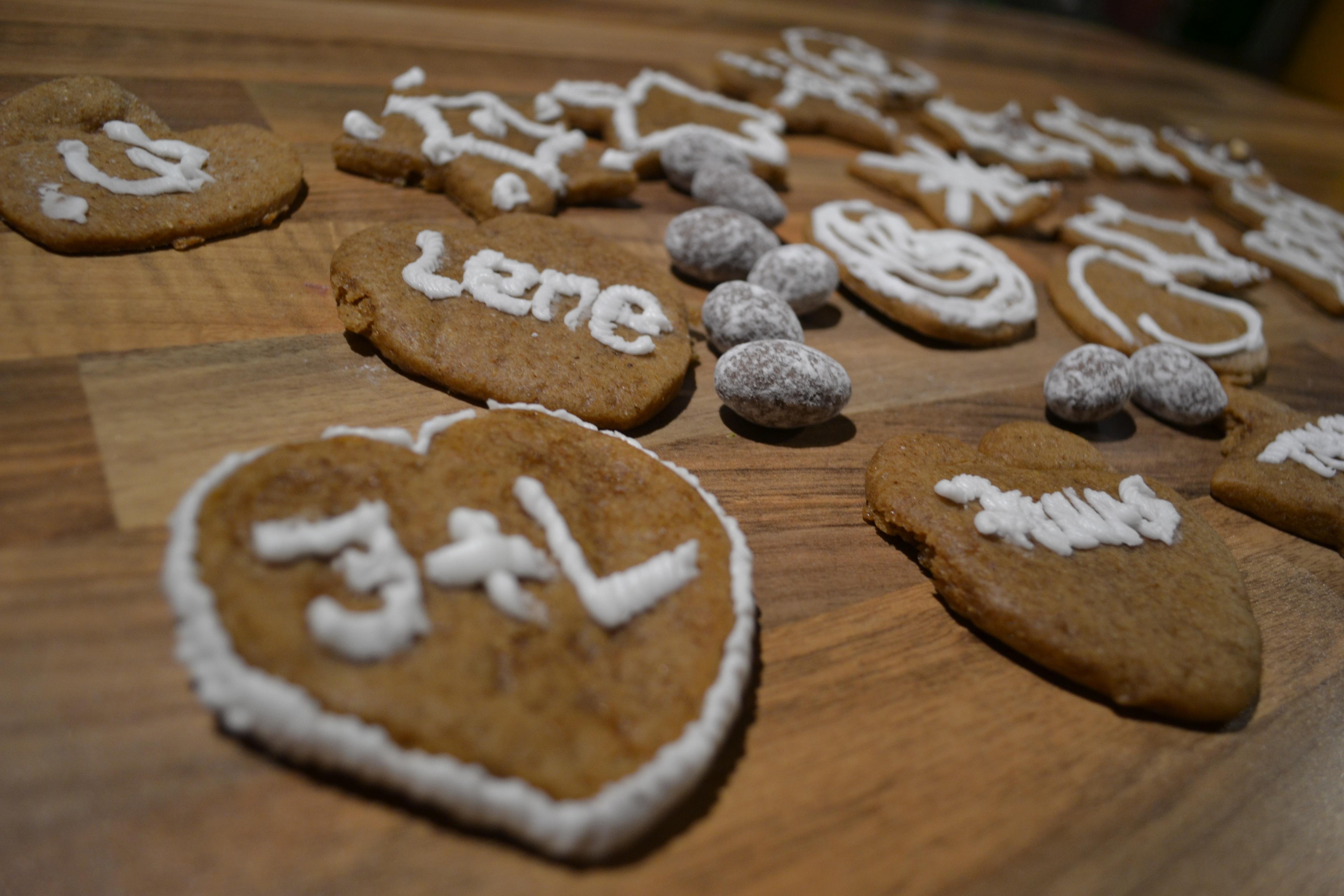 Free Images : winter, sweet, celebration, gift, decoration, dish ...