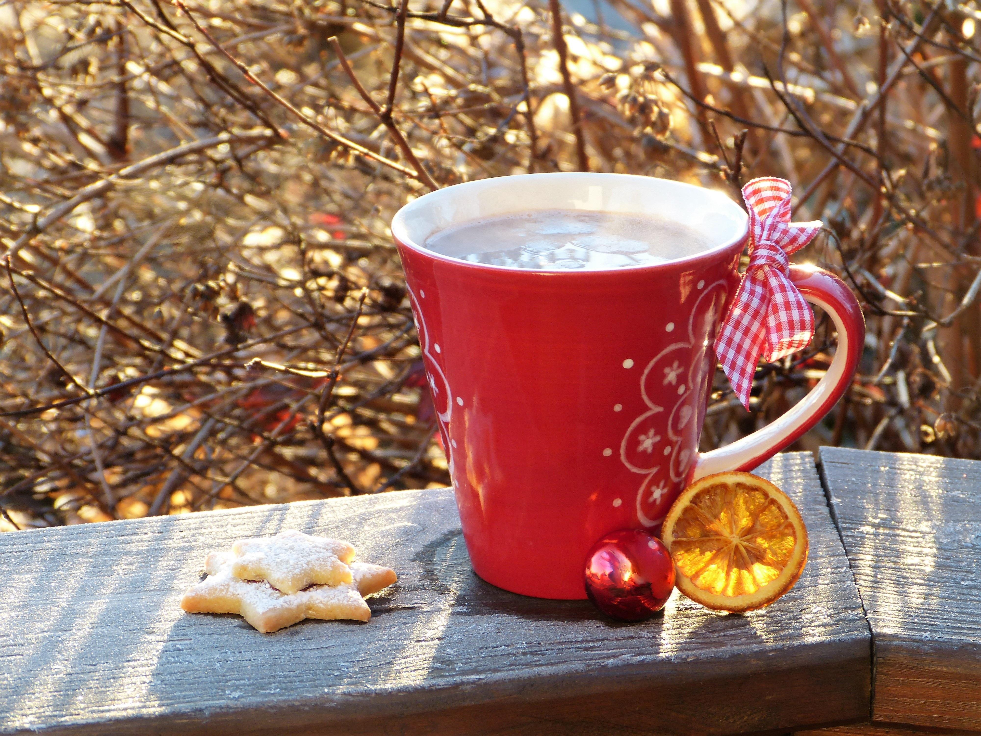 Зимние картинки красная кружка с чаем