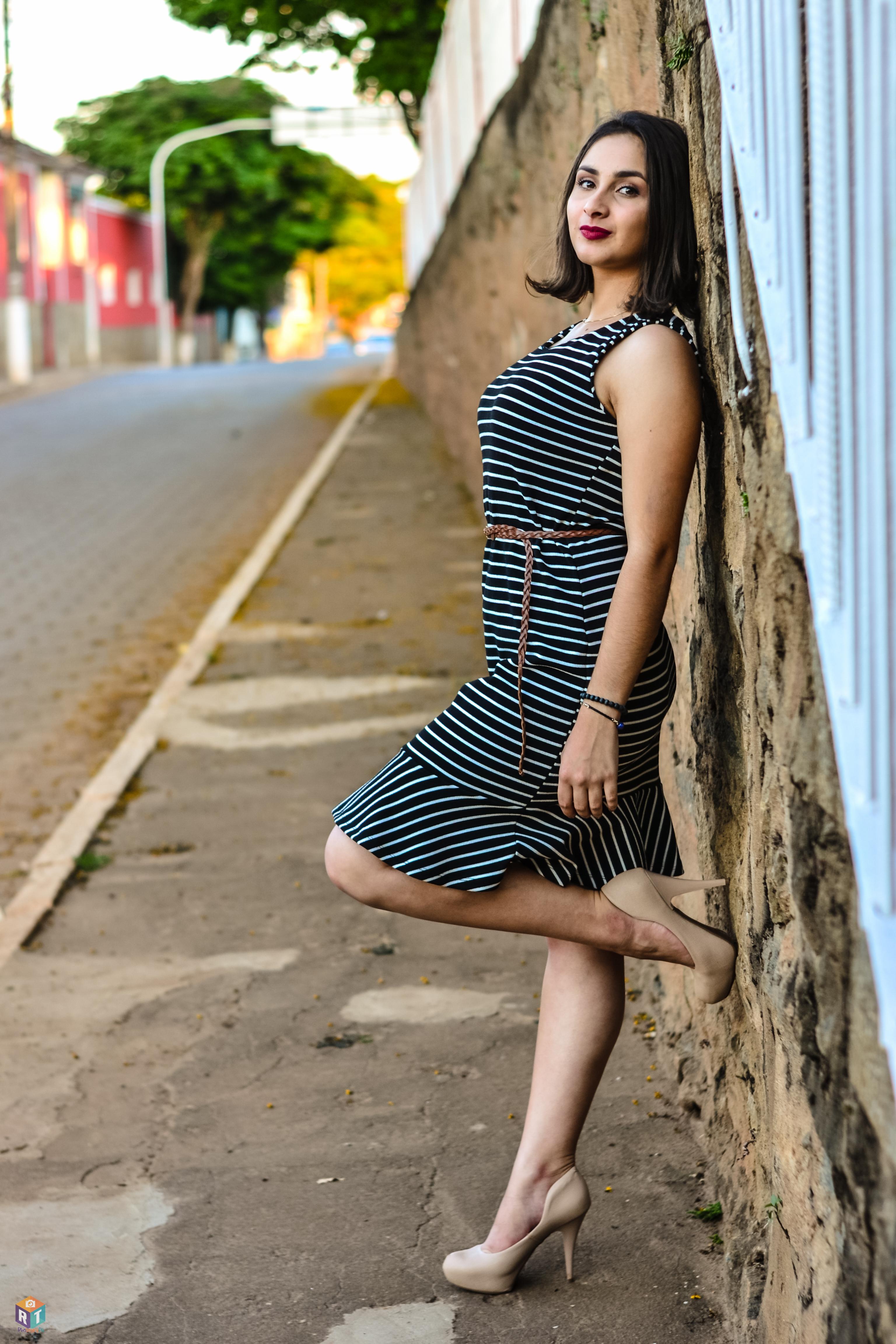Fotos gratis : mujer, belleza, niña, modelo, dama, vestir, pierna ...