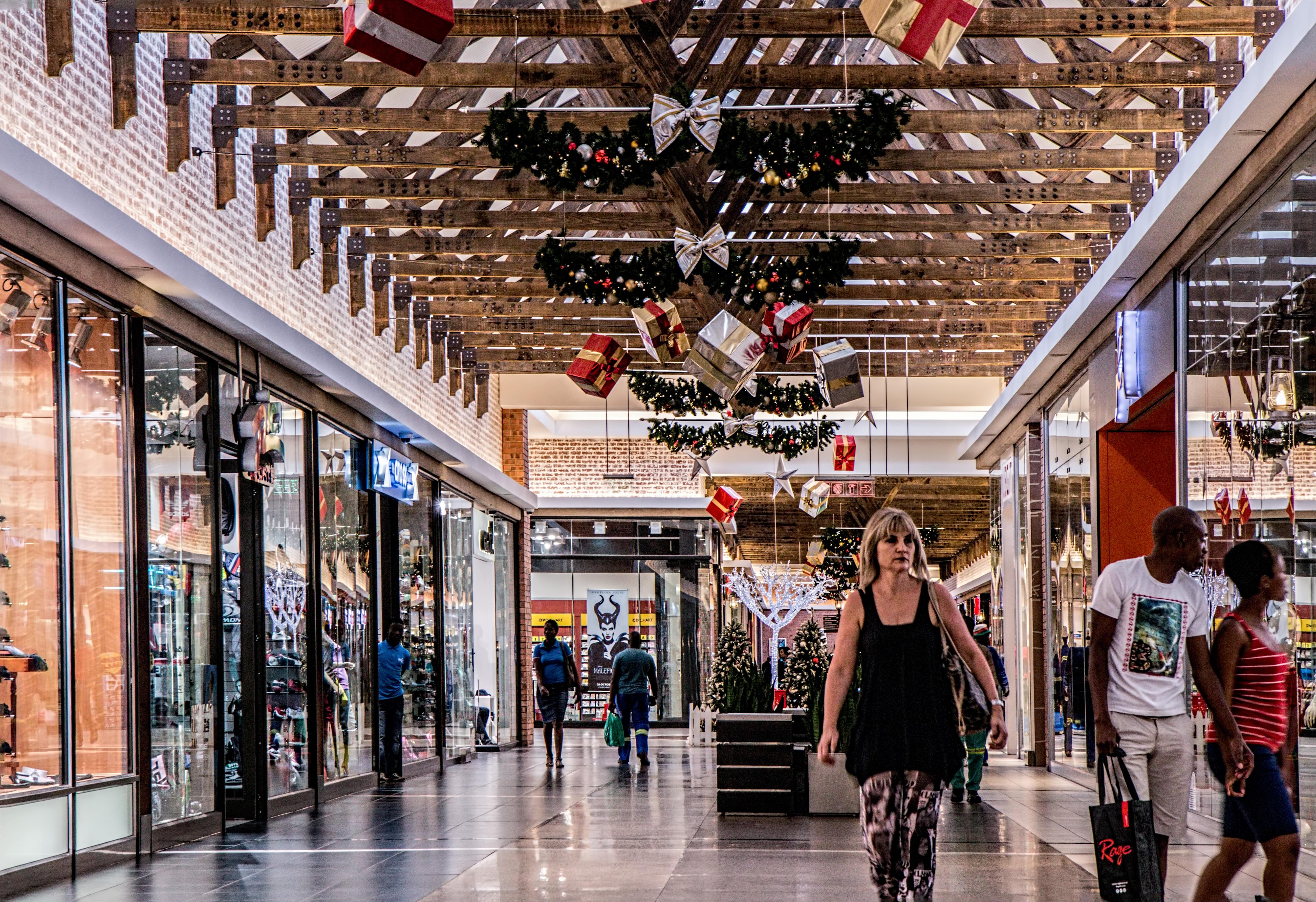 Kostenlose foto : Frau, Gebäude, Geschäft, Plaza, Einkaufen ...