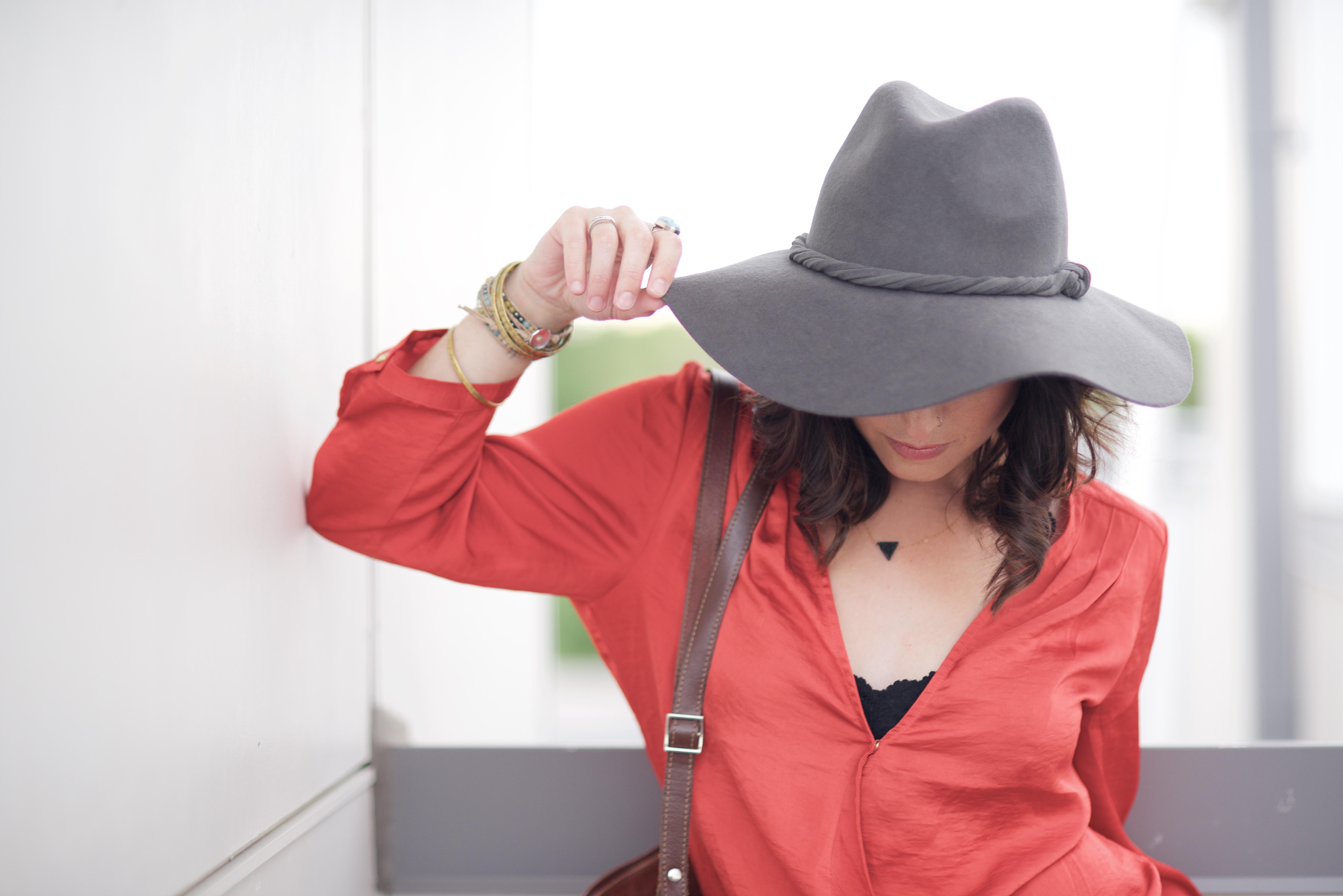 nő kalap ruházat hölgy rózsaszín fejfedő felsőruházat nyaklánc karkötő  sapka fedora divatos kiegészítő 779405142b