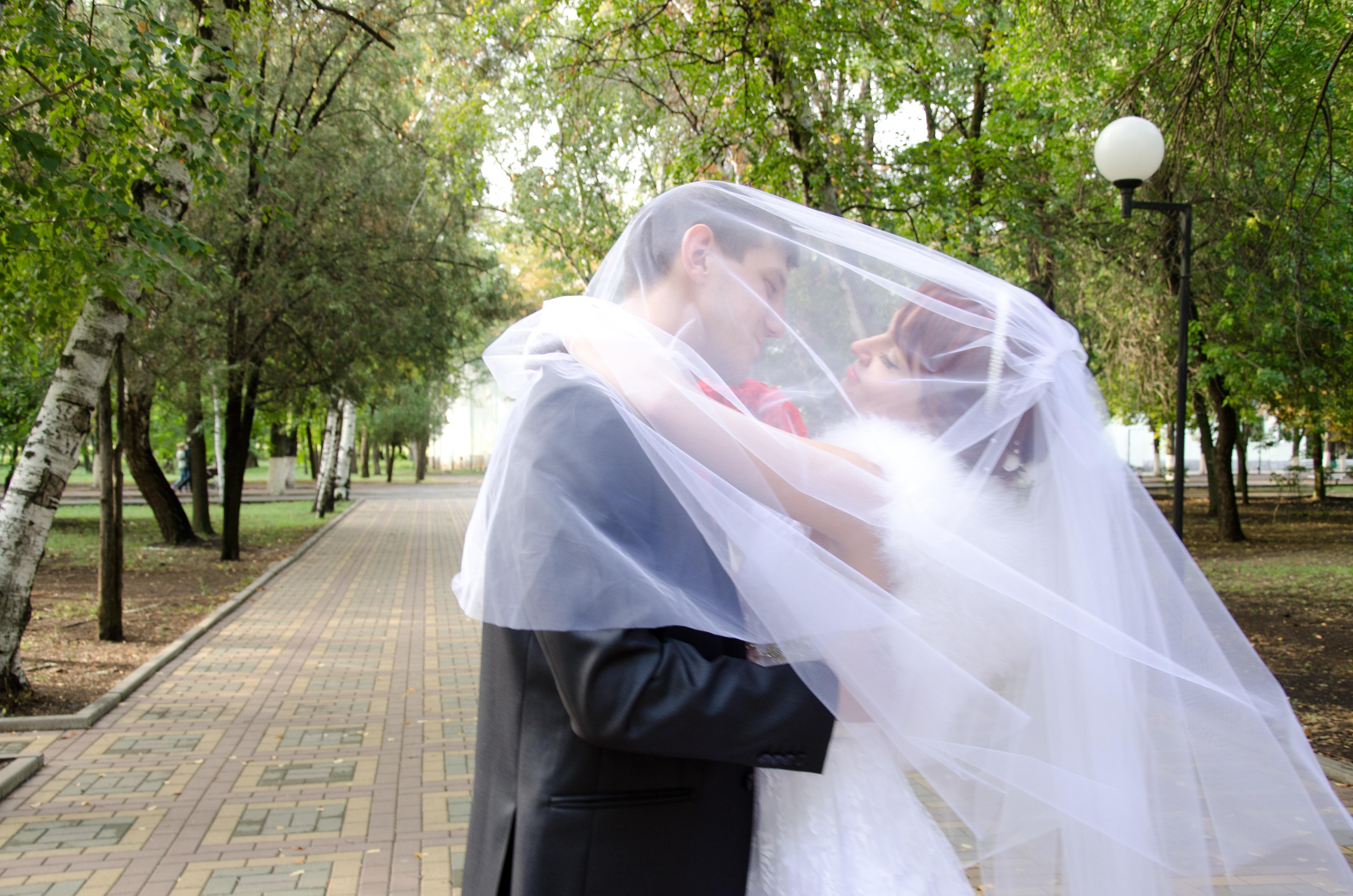 Images gratuites femme amour baiser couple mariage for Feuille de piano robe de mariage