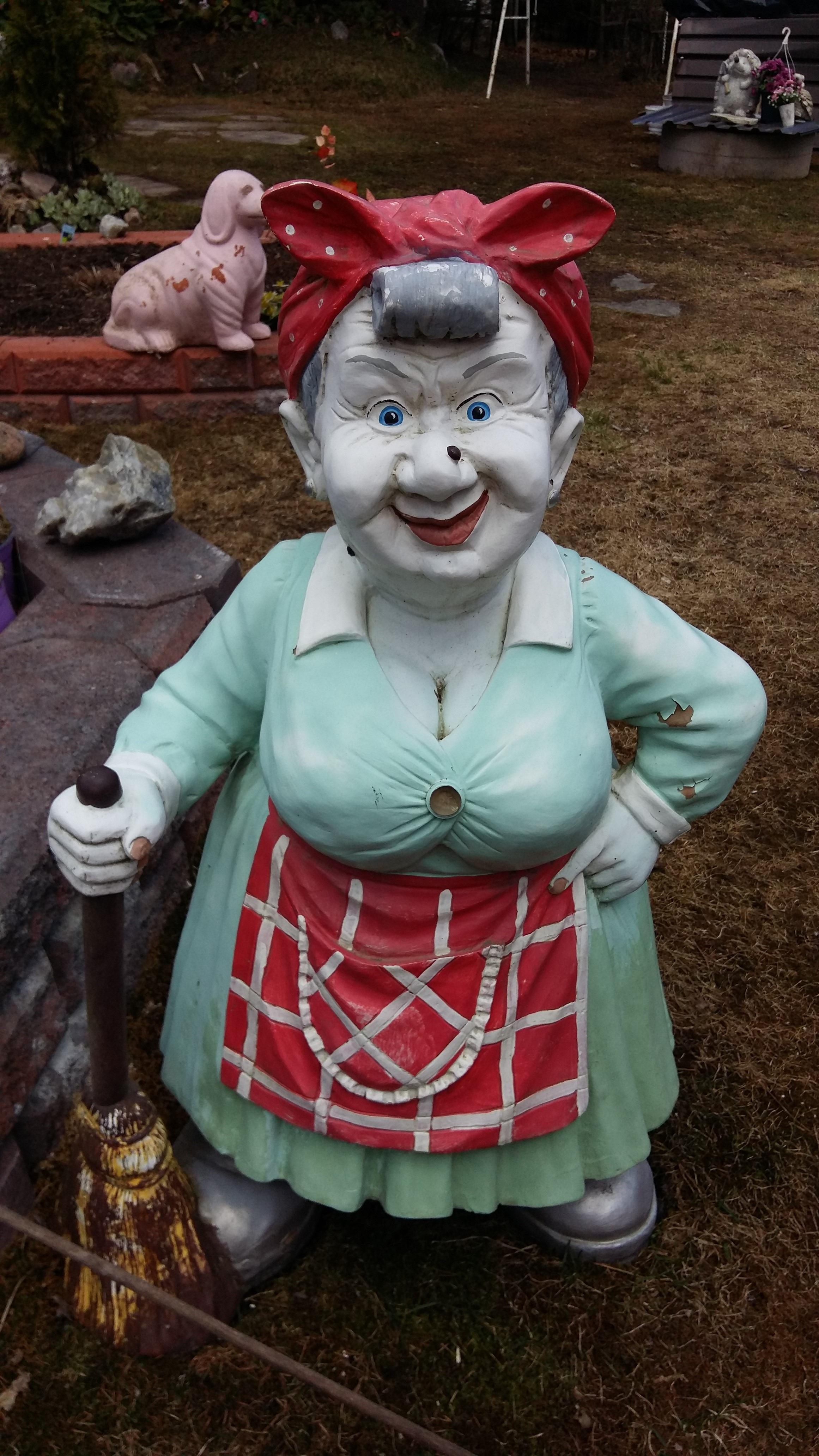 Gratis billeder : kvinde, statue, rød, tøj, have, jul, legetøj, udendørs, kostume, havenisse ...
