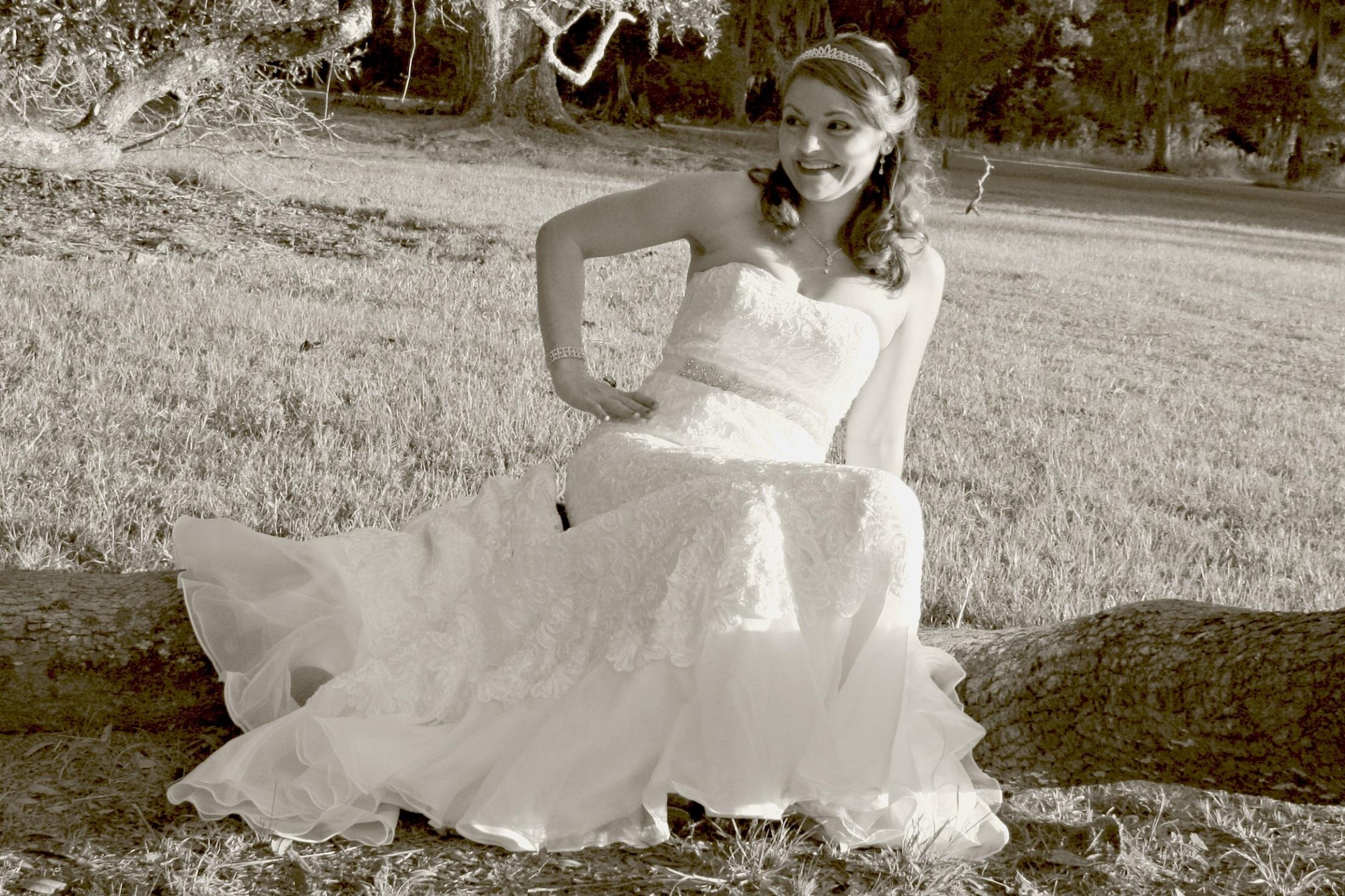 a756e3100036 kvinde hvid romantik mode tøj bryllup bryllupskjole brud Brudgom ceremoni kjole  fotografi tiara kjole elegance brude