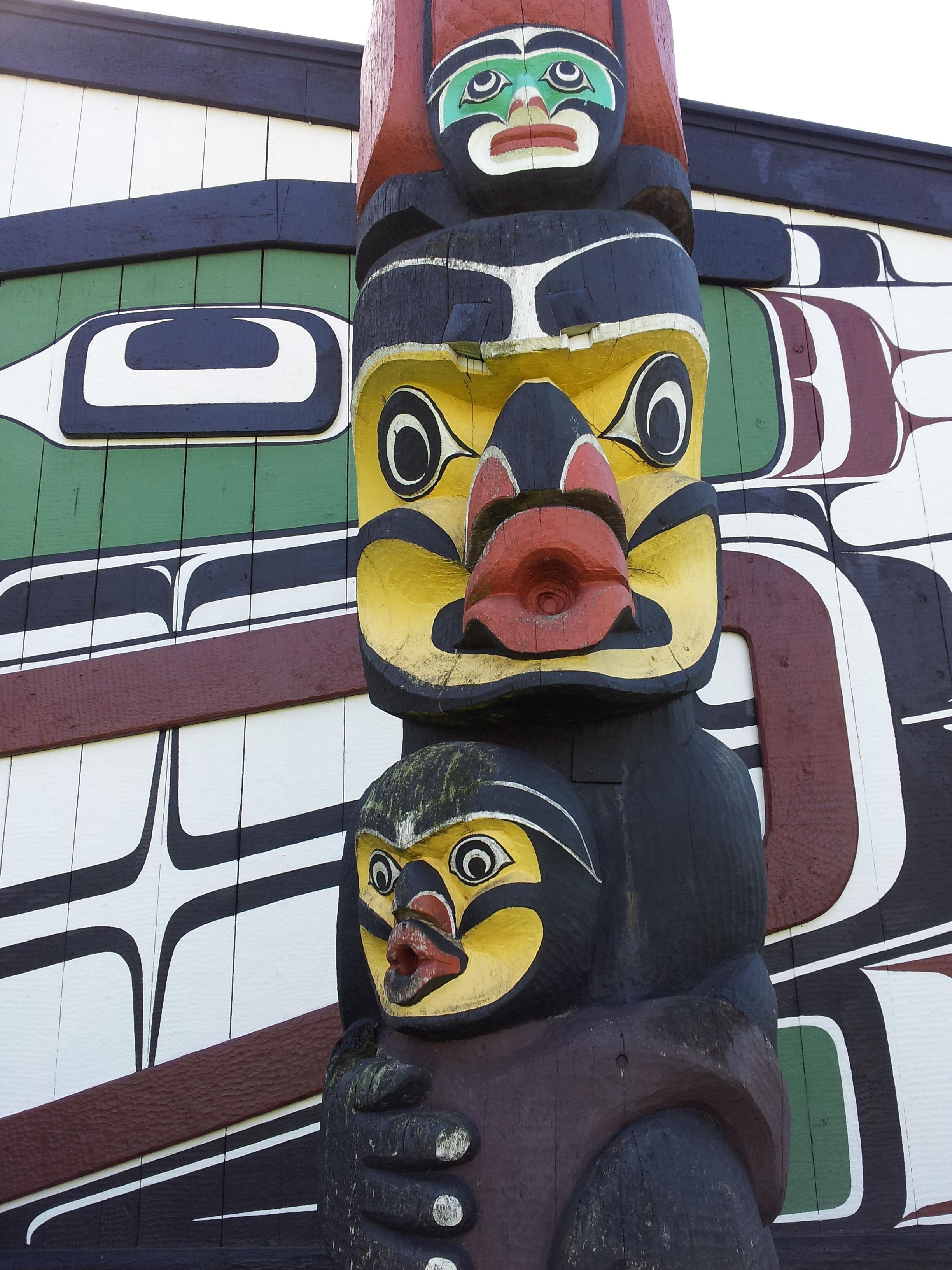 Free Images Wood Animal Symbol Graffiti Totem Pole Street Art