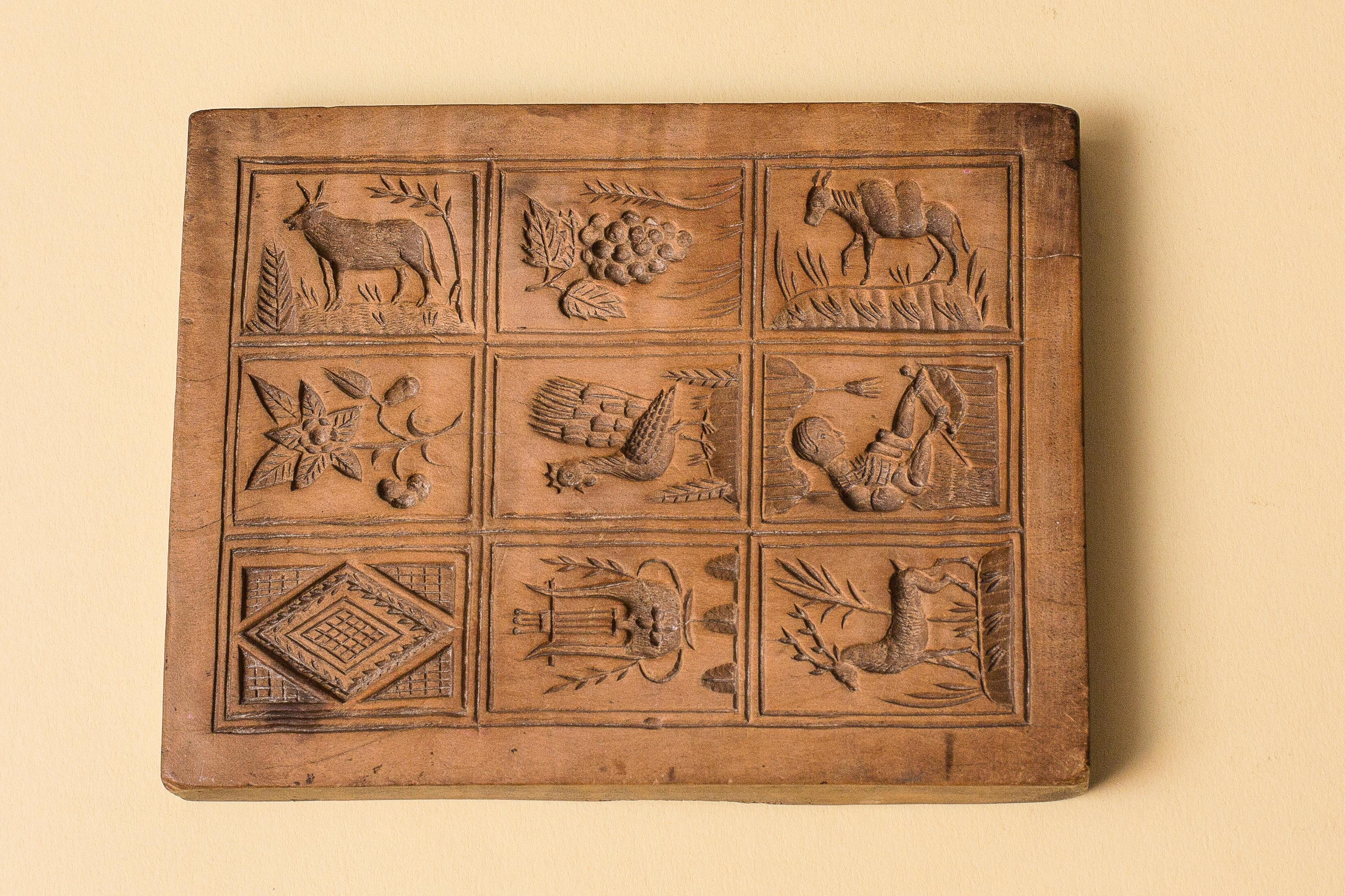 Fotos Gratis Antiguo Modelo Mueble Pecho Esculpir Galletas  # Muebles Tallados En Madera