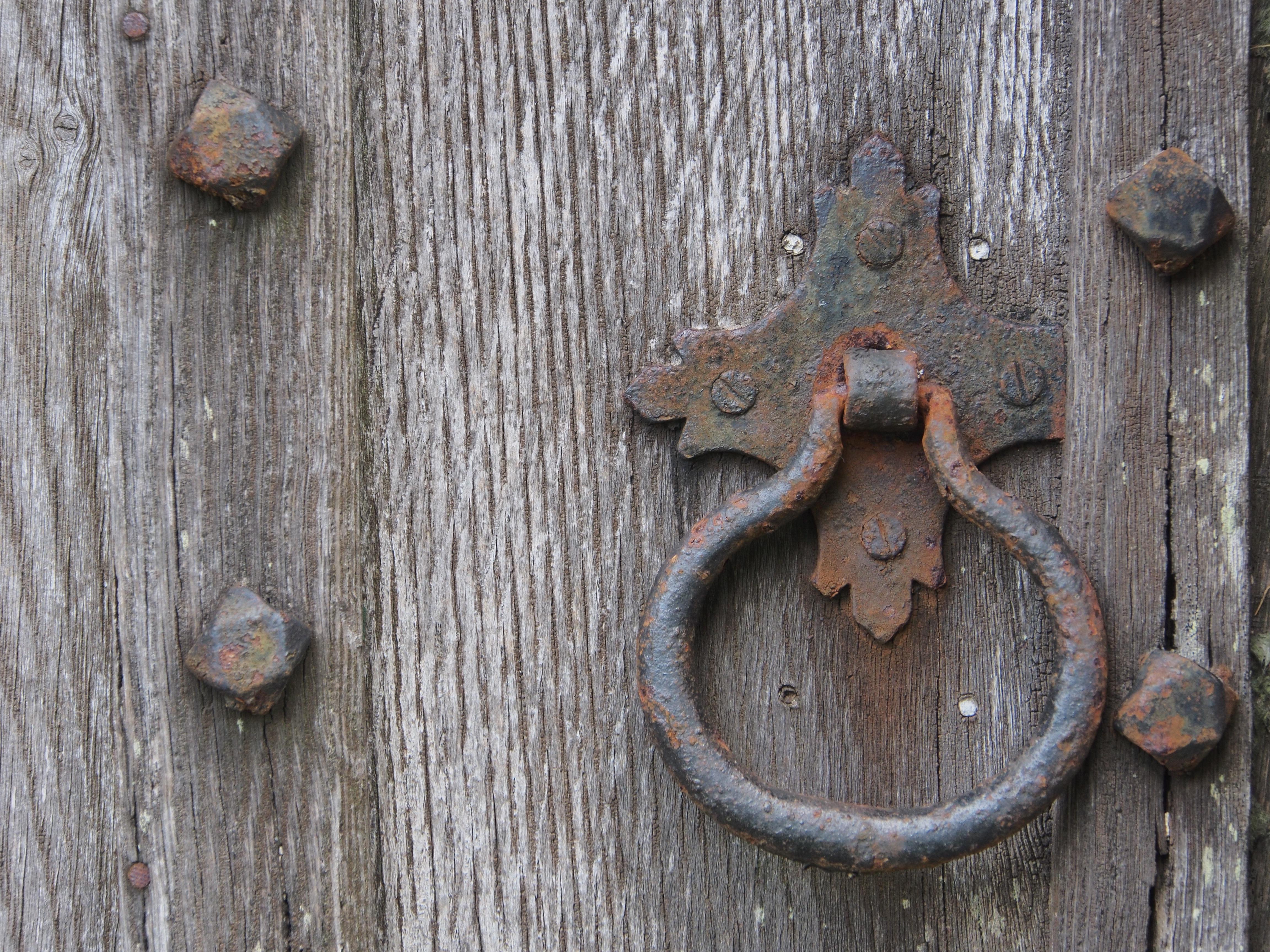 Bois Antique Bague Vieux Rouille Entrée Ancien Porte Porte Manipuler Le Fer  Sculpture Traditionnel Poignée De