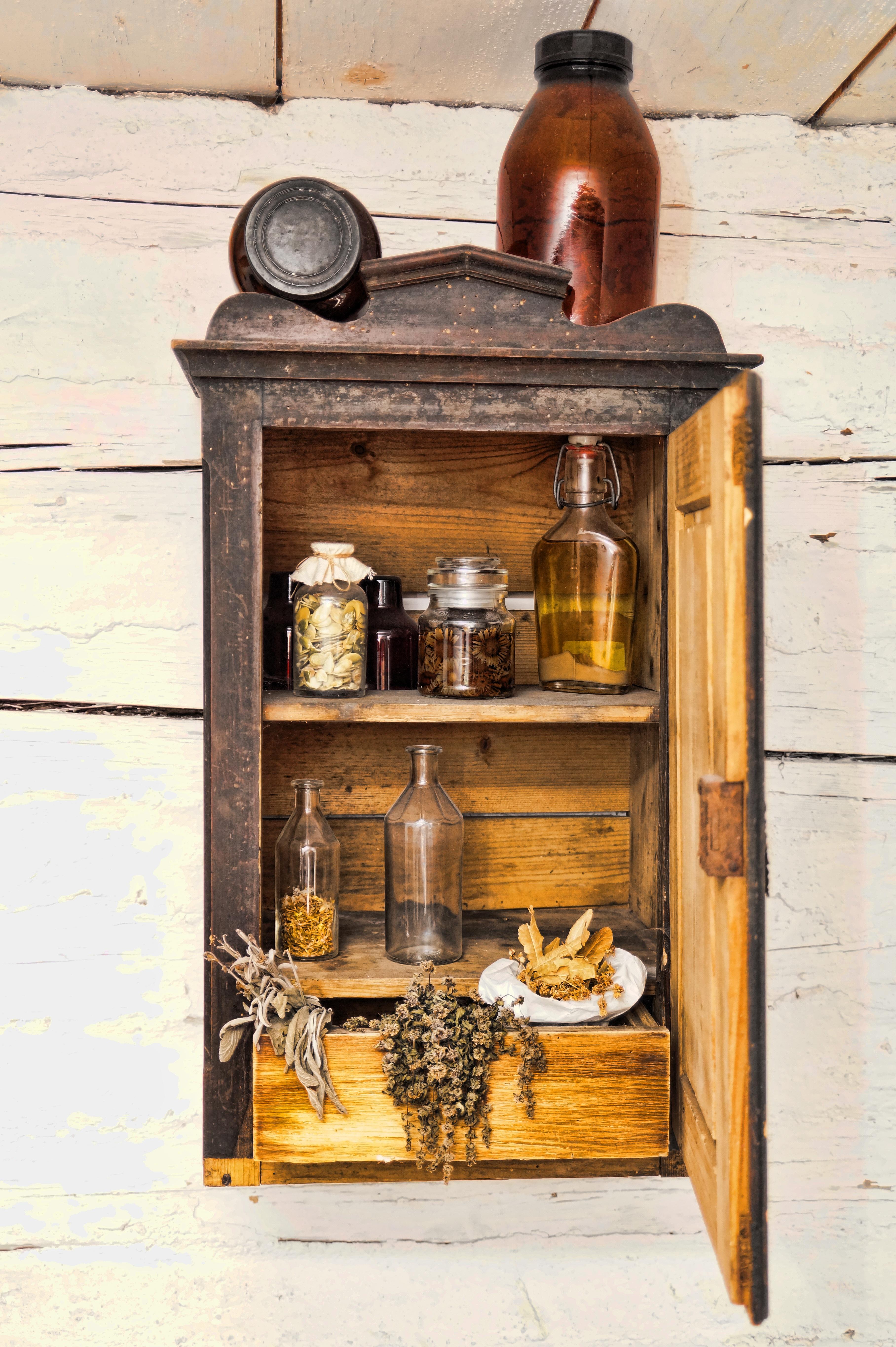 Kostenlose foto : Holz, Antiquität, Regal, Möbel, Tür, Schublade ...