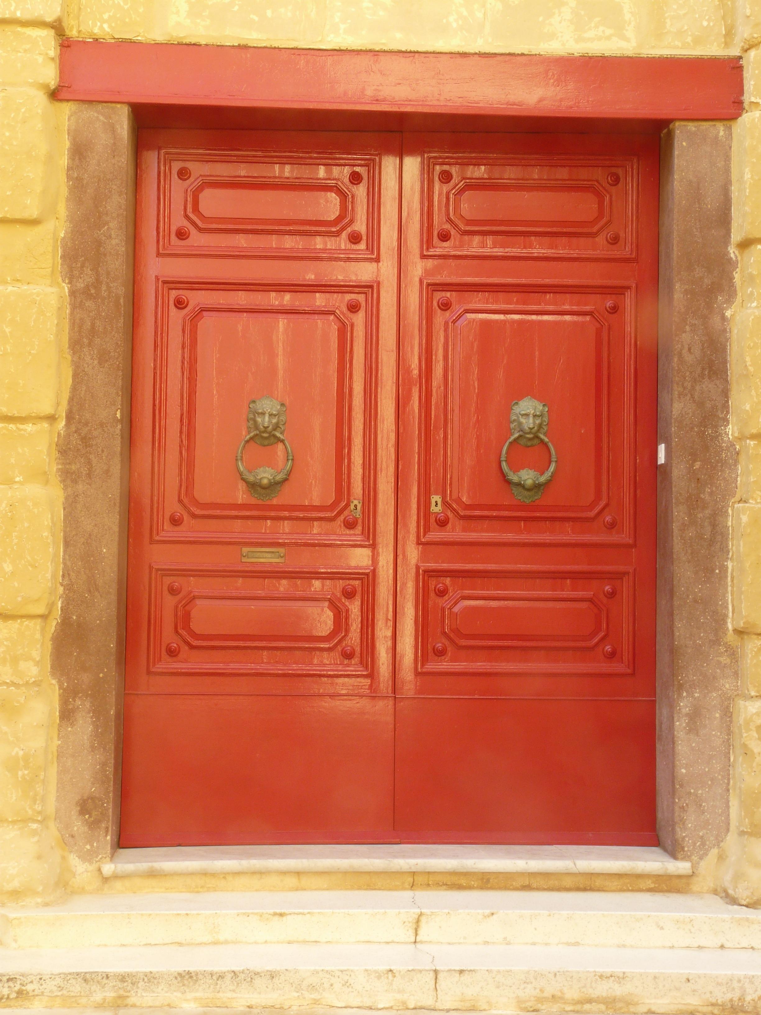 Images gratuites antique fen tre vieux rouge meubles - Charniere de porte d entree ...