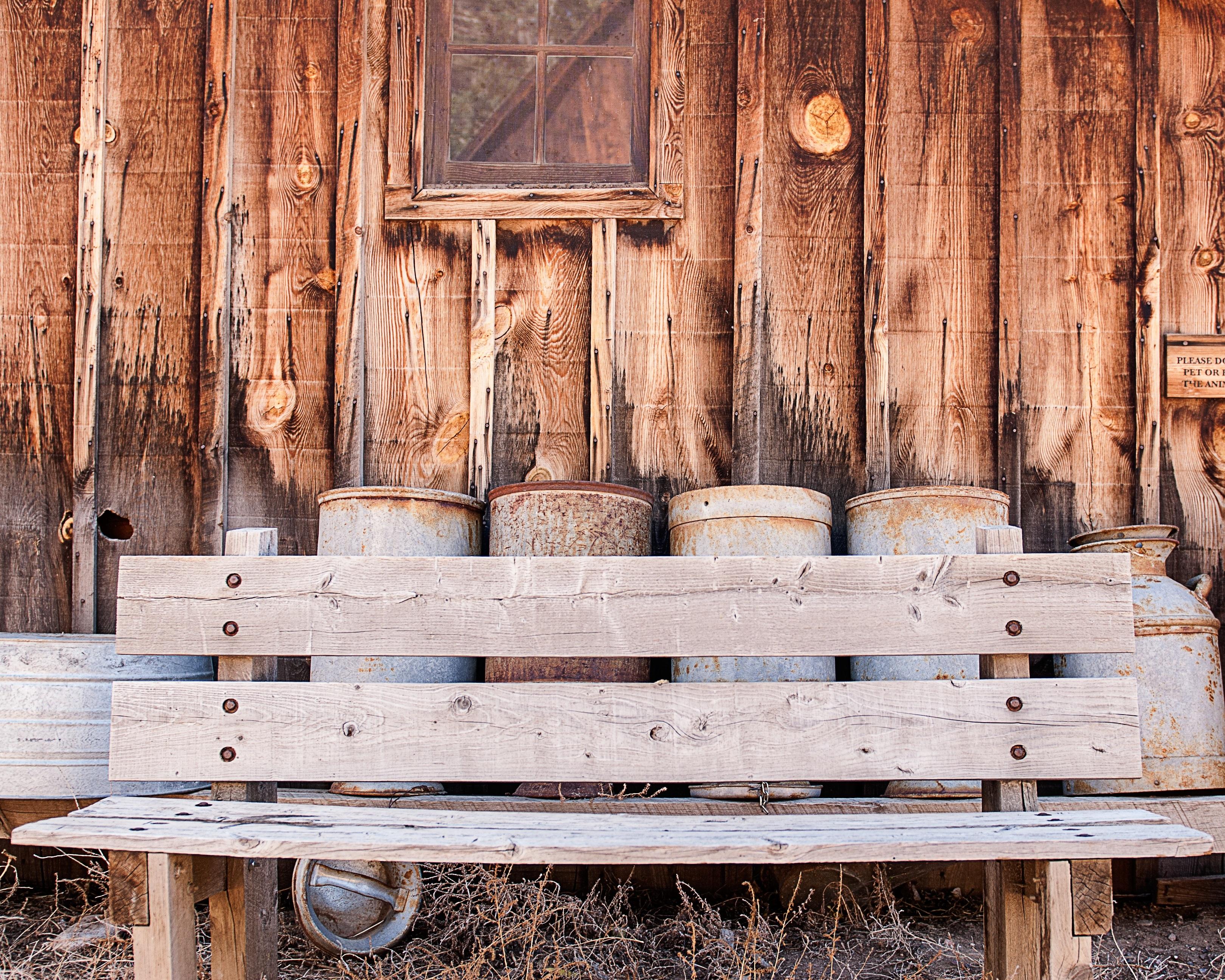 Fotos gratis : banco, vendimia, antiguo, granero, pared, rústico ...