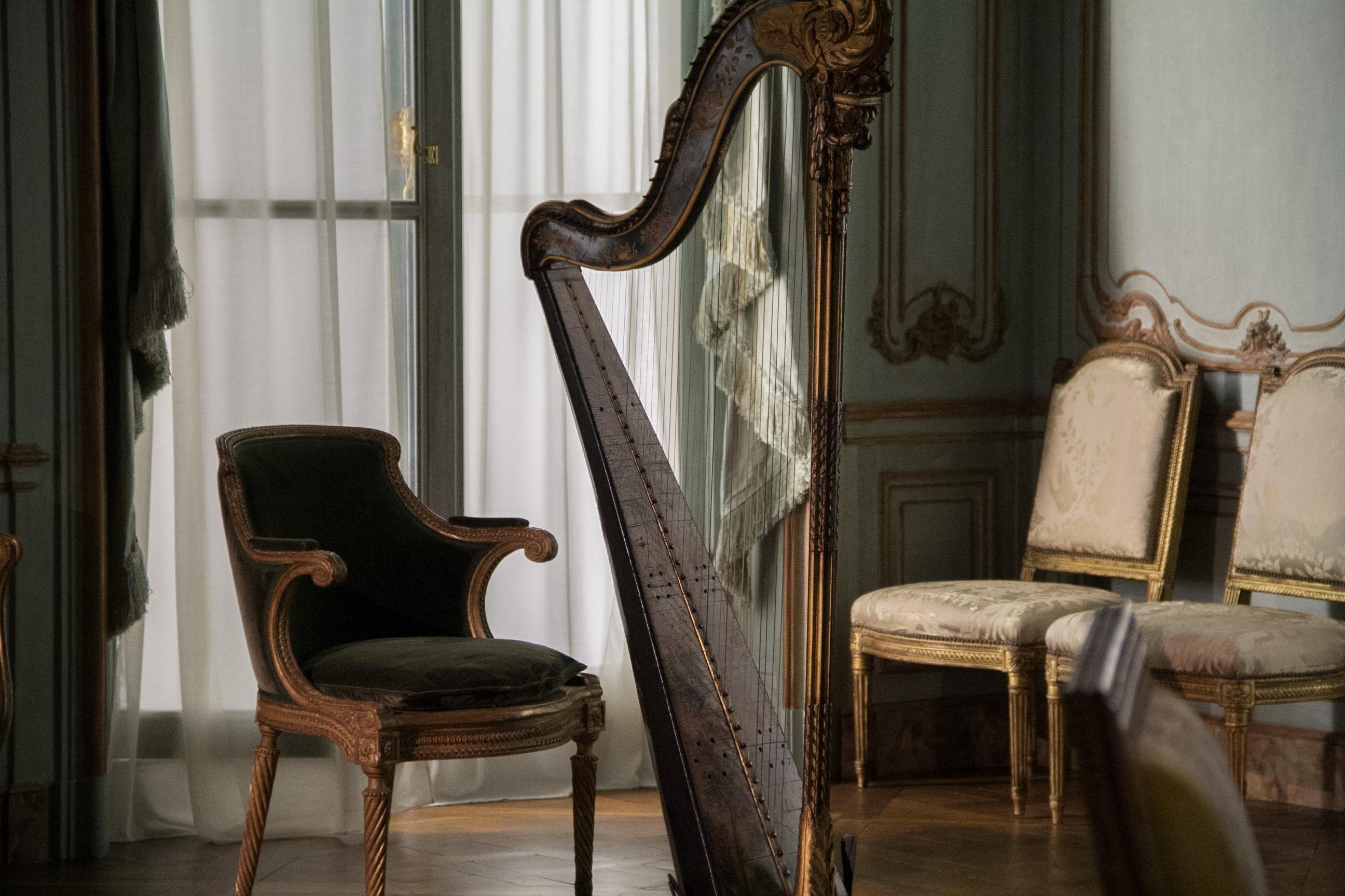 Fotos gratis madera silla casa decoraci n castillo for Decoracion rococo