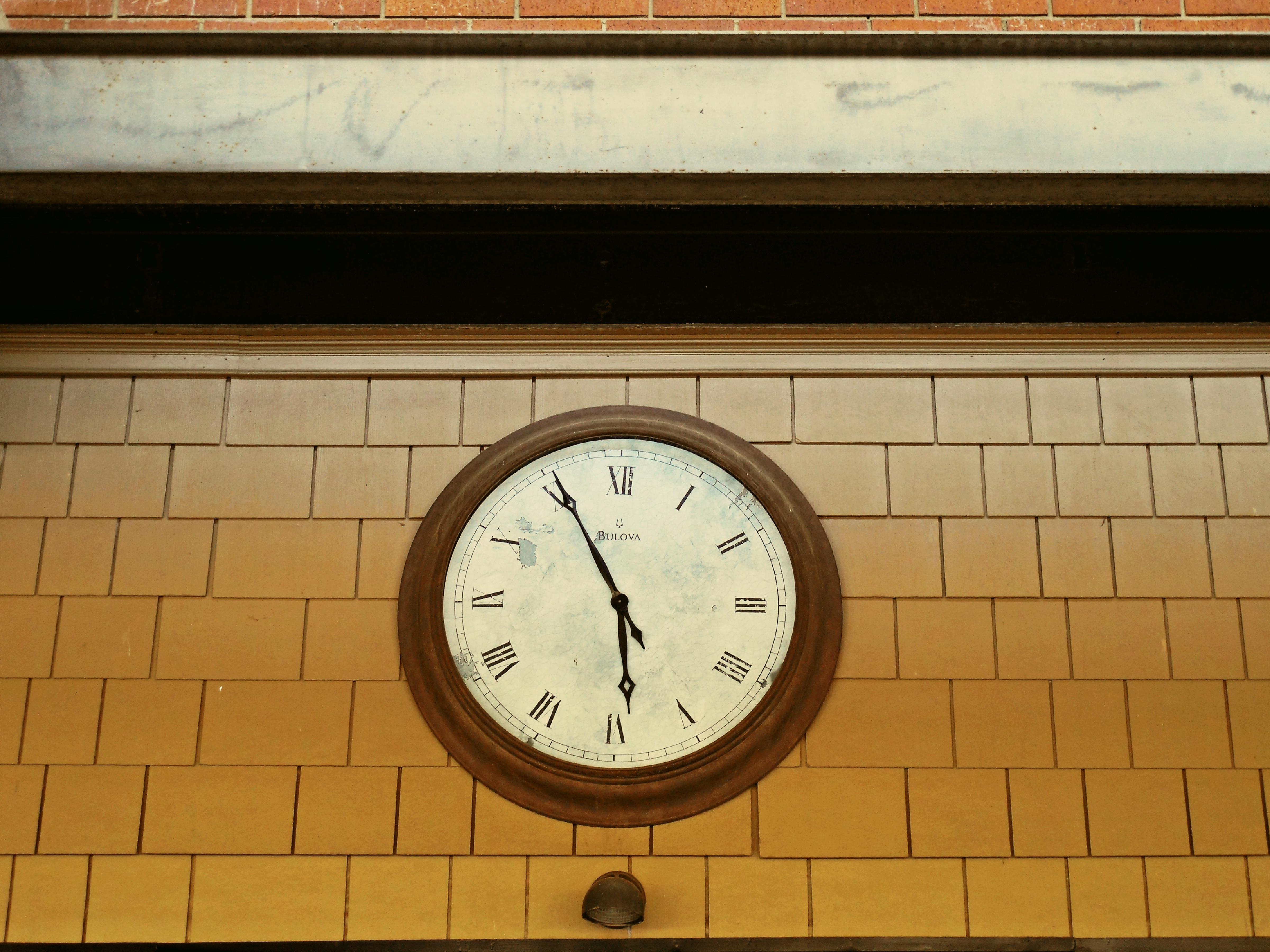 Fotos Gratis Madera Reloj N Mero Mueble Decoraci N Forma  # Muebles Num Decoracion