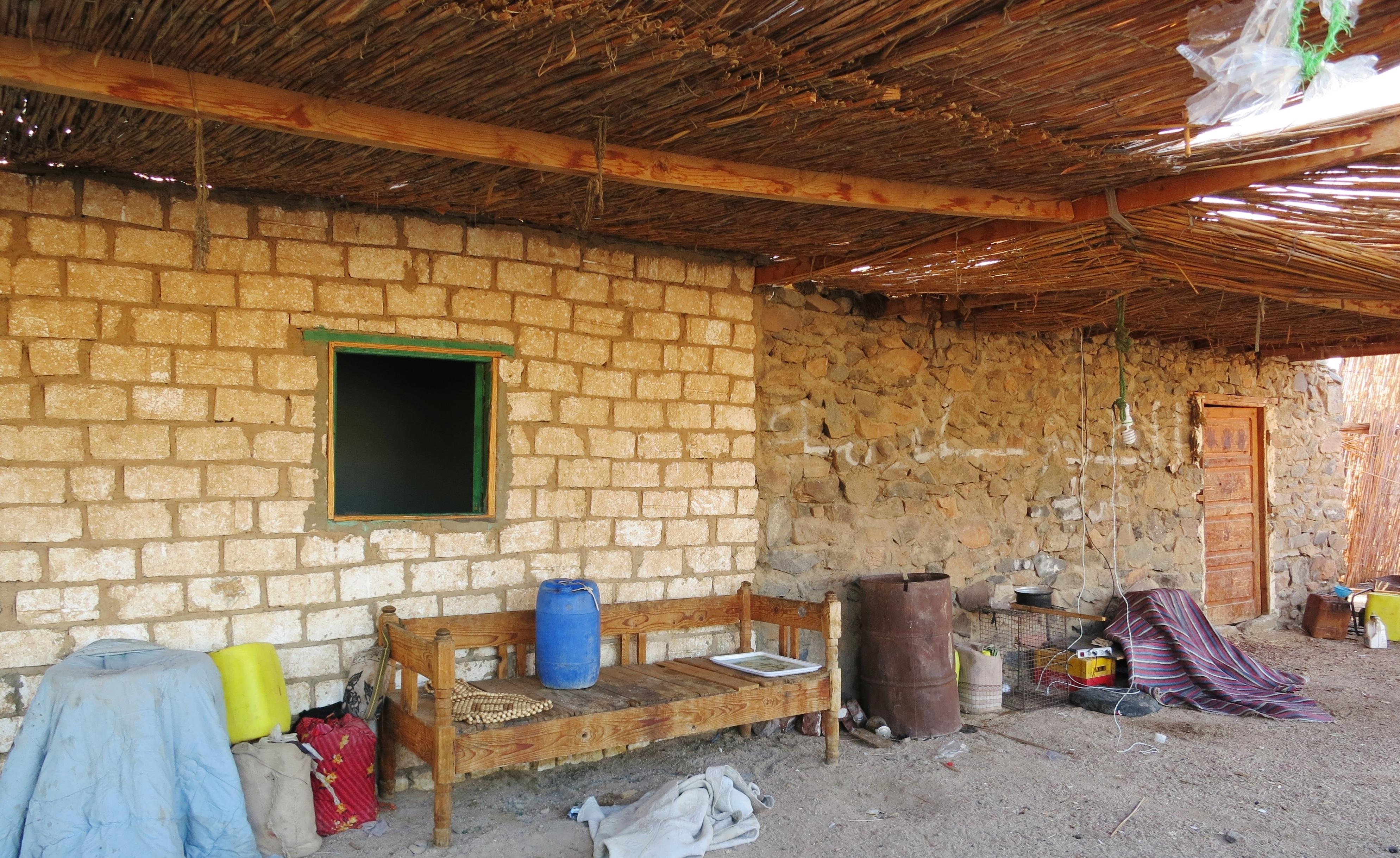 Gratis afbeeldingen hout woestijn gebouw schuur huis hut bar huisje eigendom kamer - Huis bar ...