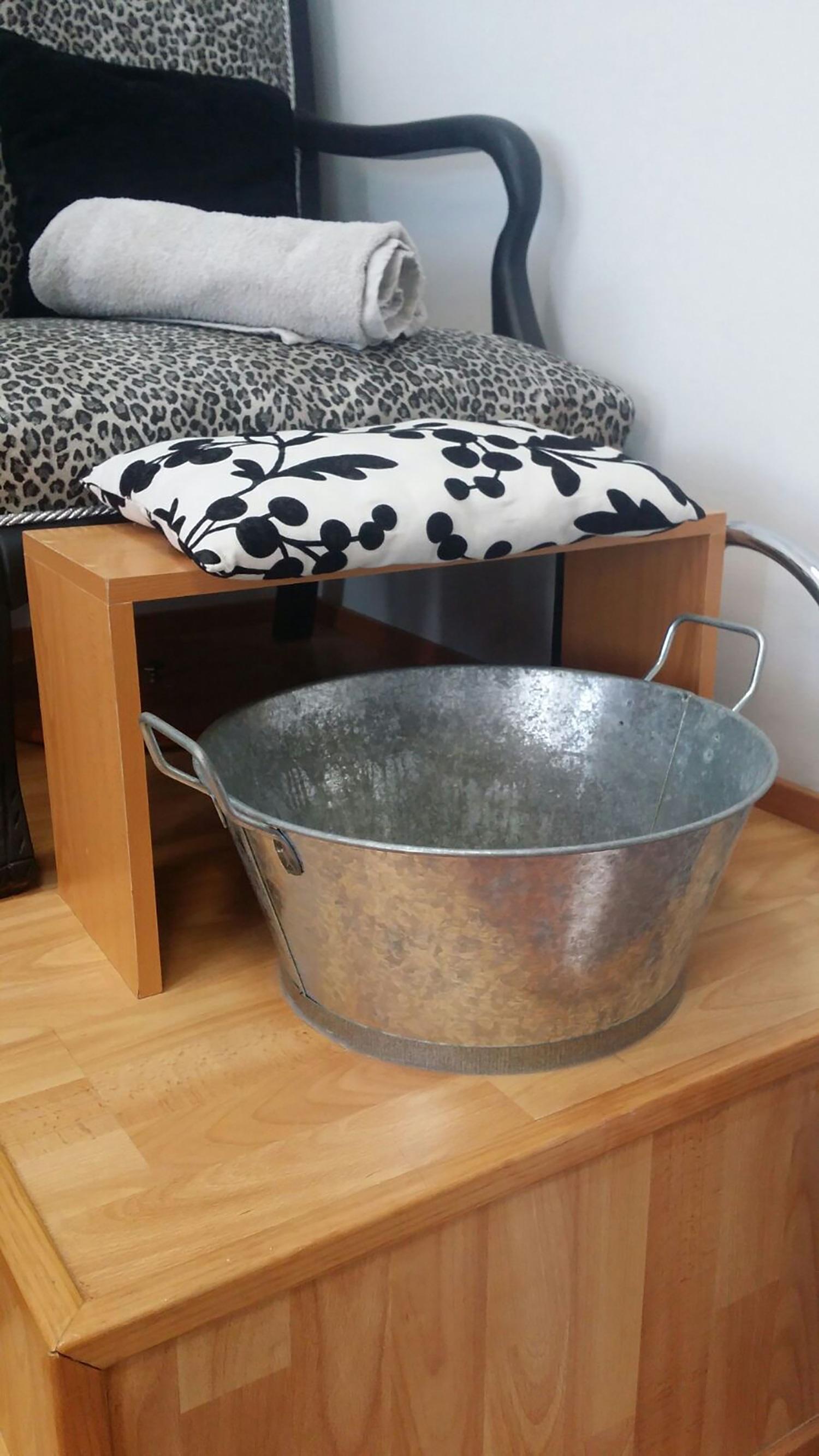 madera piso cermico lavabo mueble habitacin material encimera baera producto masaje piso vasija barbera arreglo de