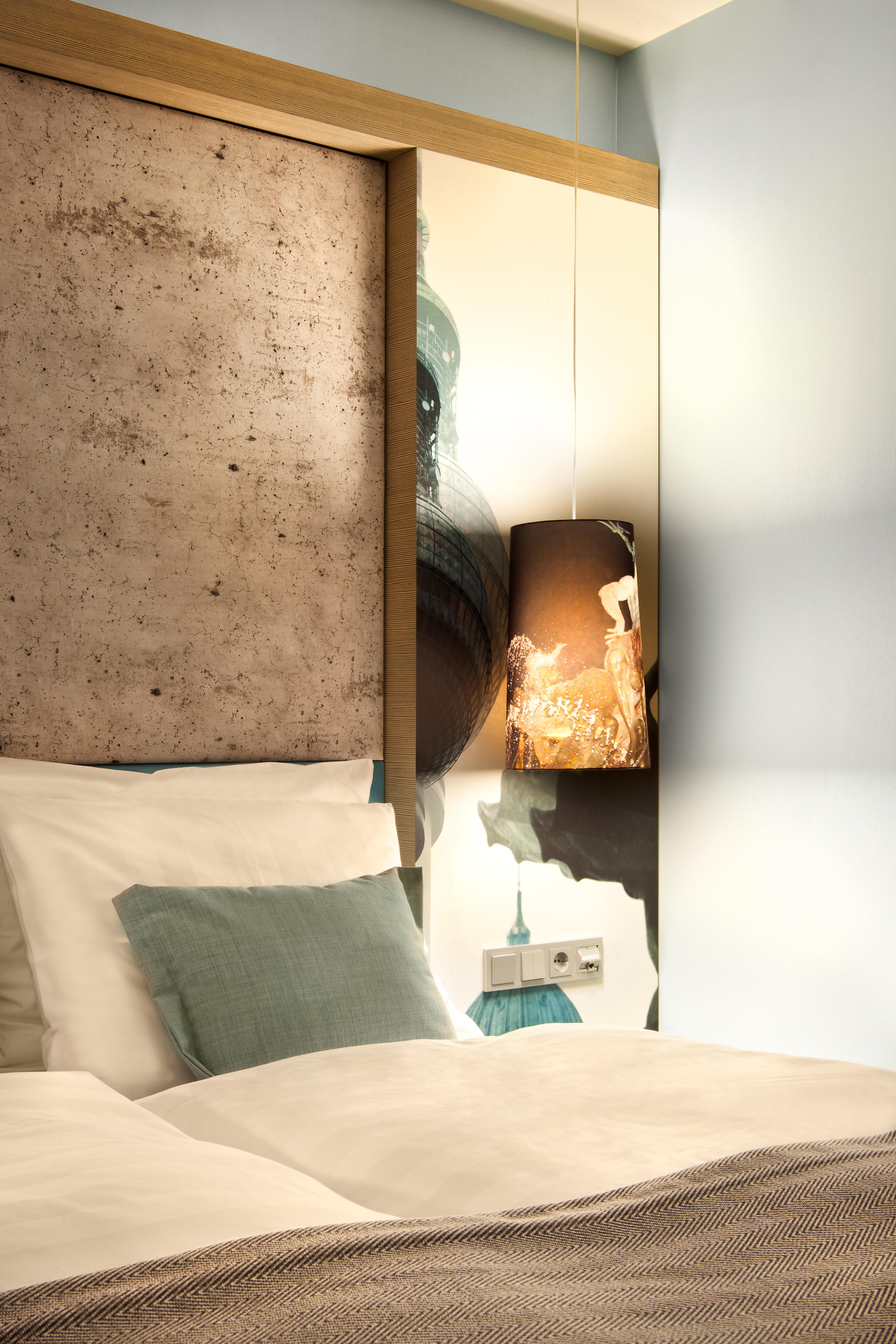 Desain kamar tidur lantai kayu kumpulan desain rumah for Dekor kamar tidur hotel