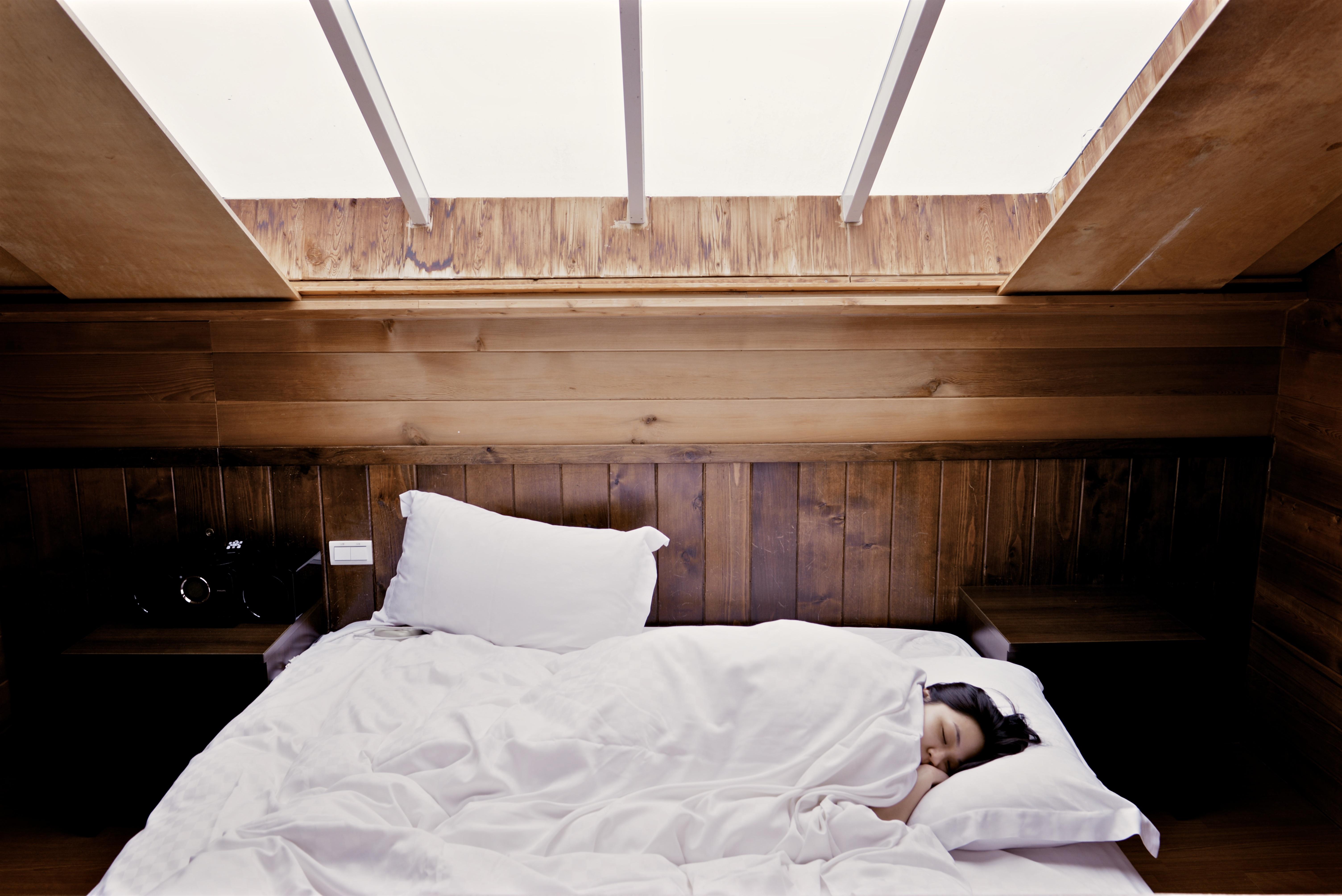 Free images wood floor cottage furniture room for Sleeping room interior design