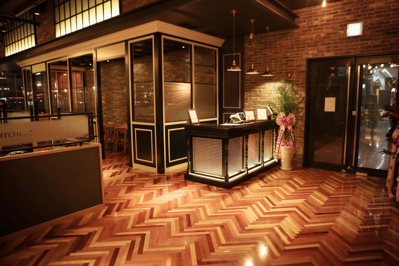 무료 이미지 : 목재, 레스토랑, 집, 실내의, 거실, 방, 조명, 뷔페 ...