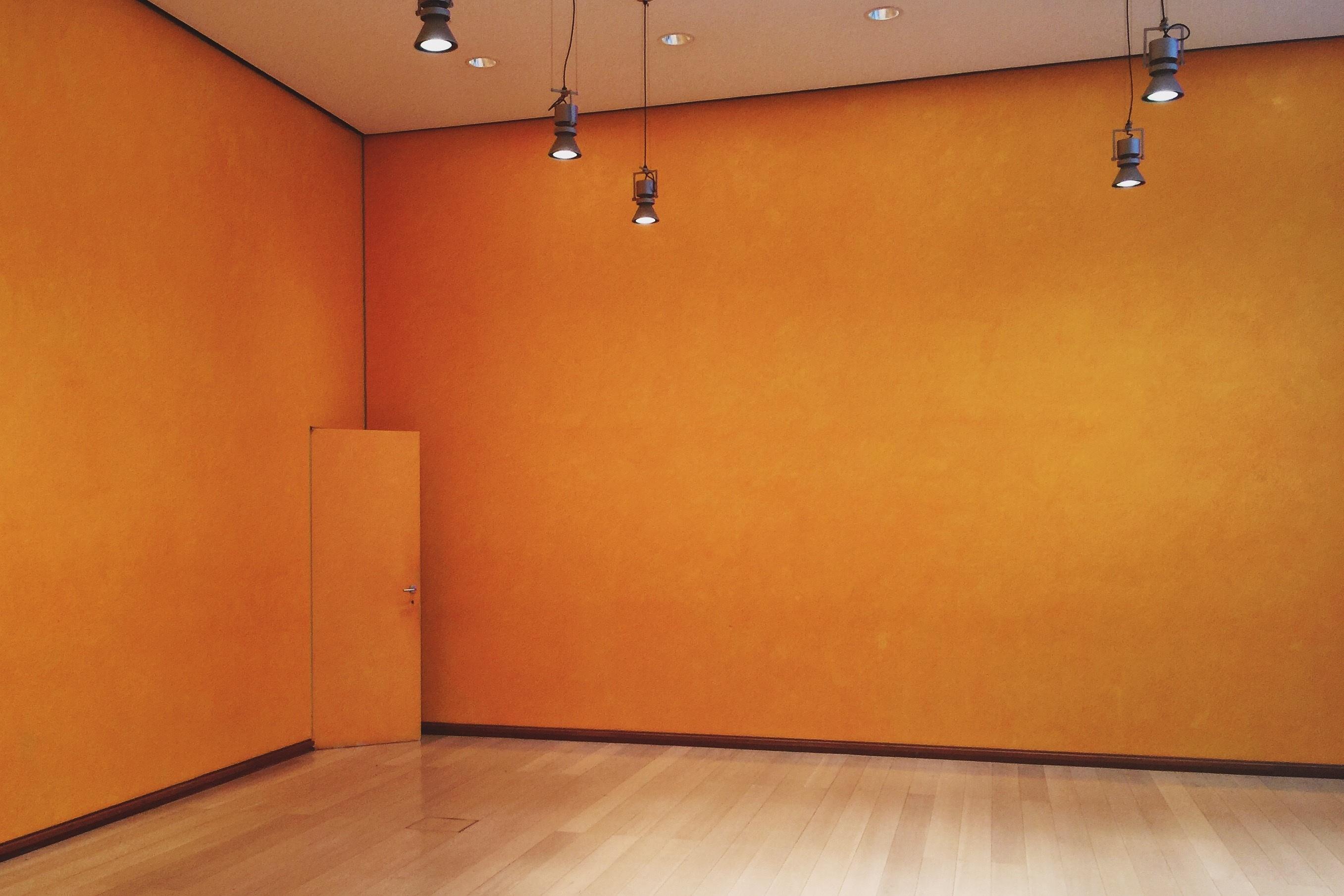 Fotos gratis : piso, pared, techo, propiedad, sótano, mueble ...