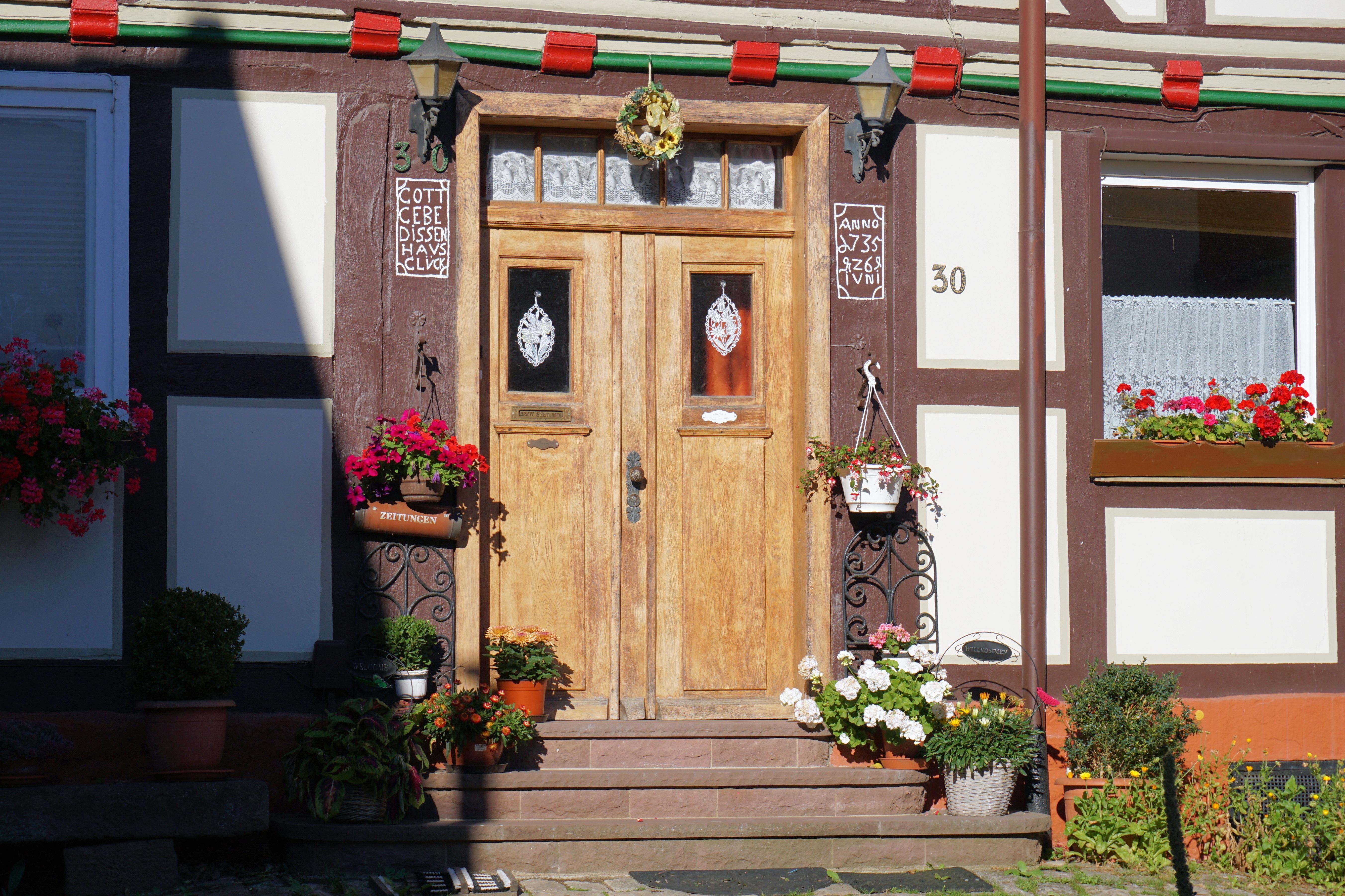 Porche D Entrée Bois images gratuites : bois, fleur, fenêtre, bâtiment, restaurant, vieux