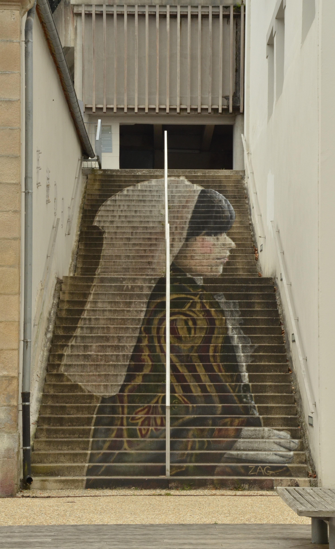 Images gratuites bois fille maison fen tre la for Interieur artistique