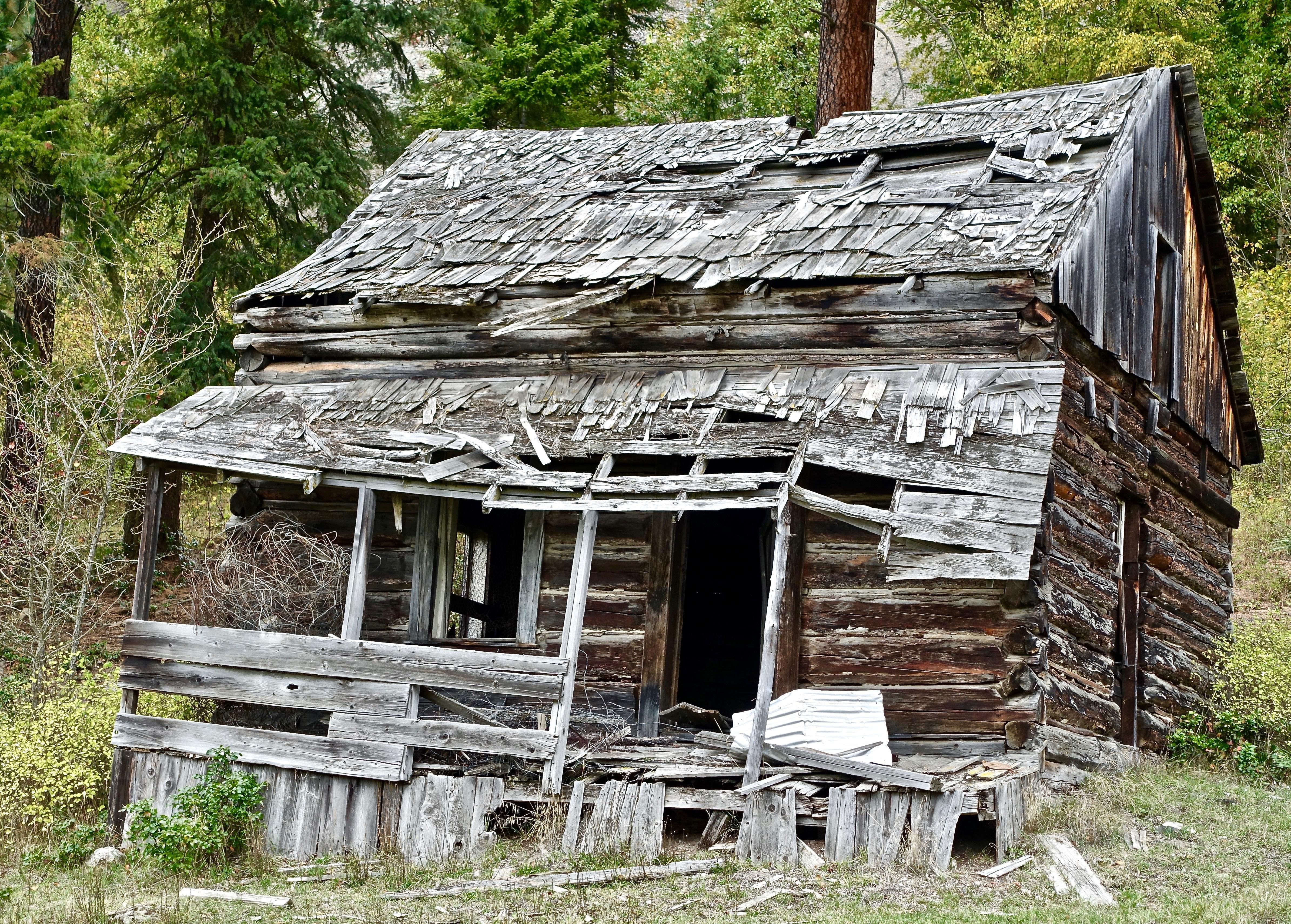 images gratuites maison b timent grange rustique village rural chalet ruines d labr. Black Bedroom Furniture Sets. Home Design Ideas